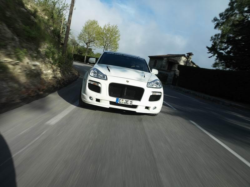 Porsche Cayenne - Enco 550GT