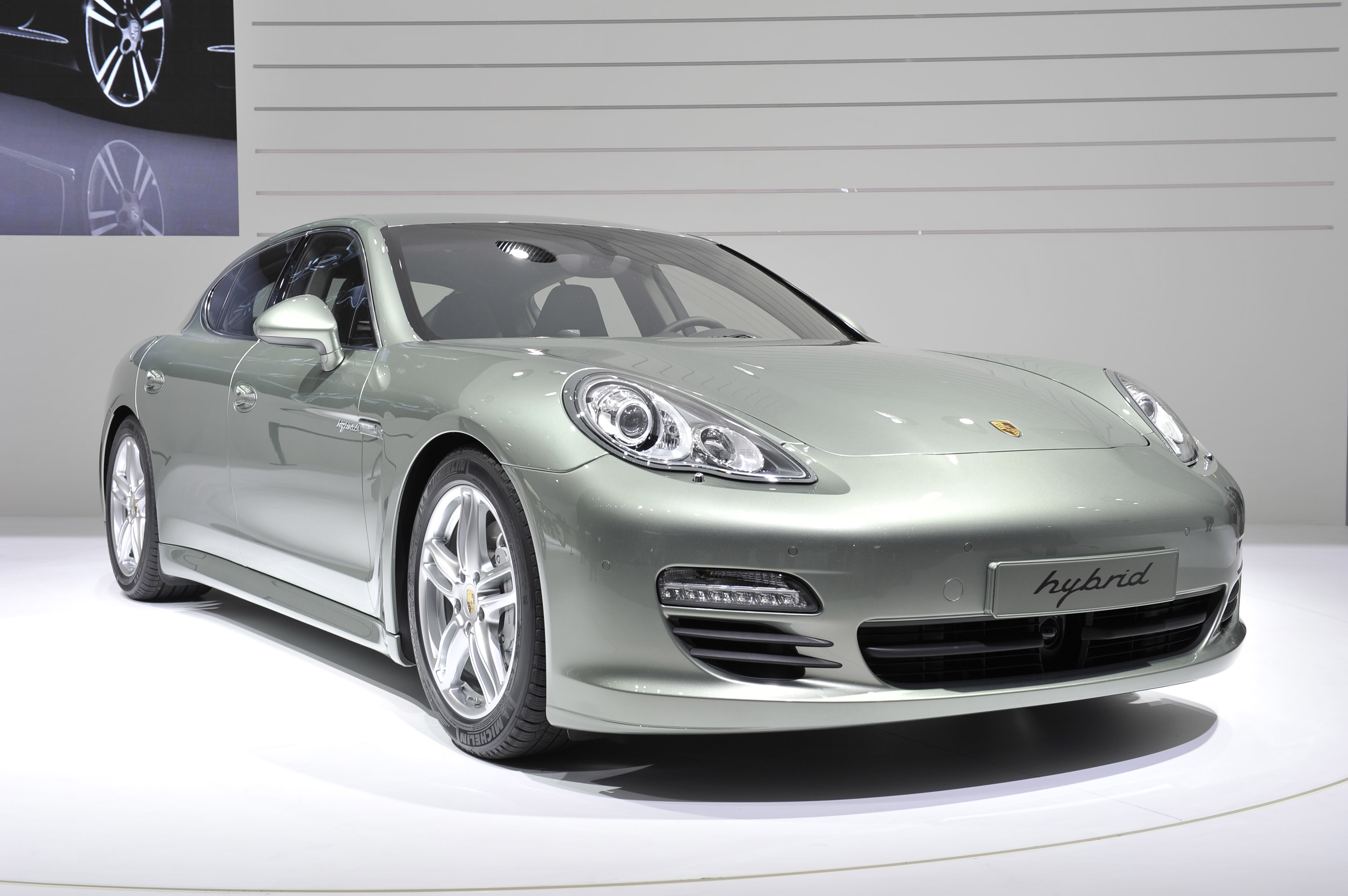 geneva 2011 porsche panamera s hybrid. Black Bedroom Furniture Sets. Home Design Ideas