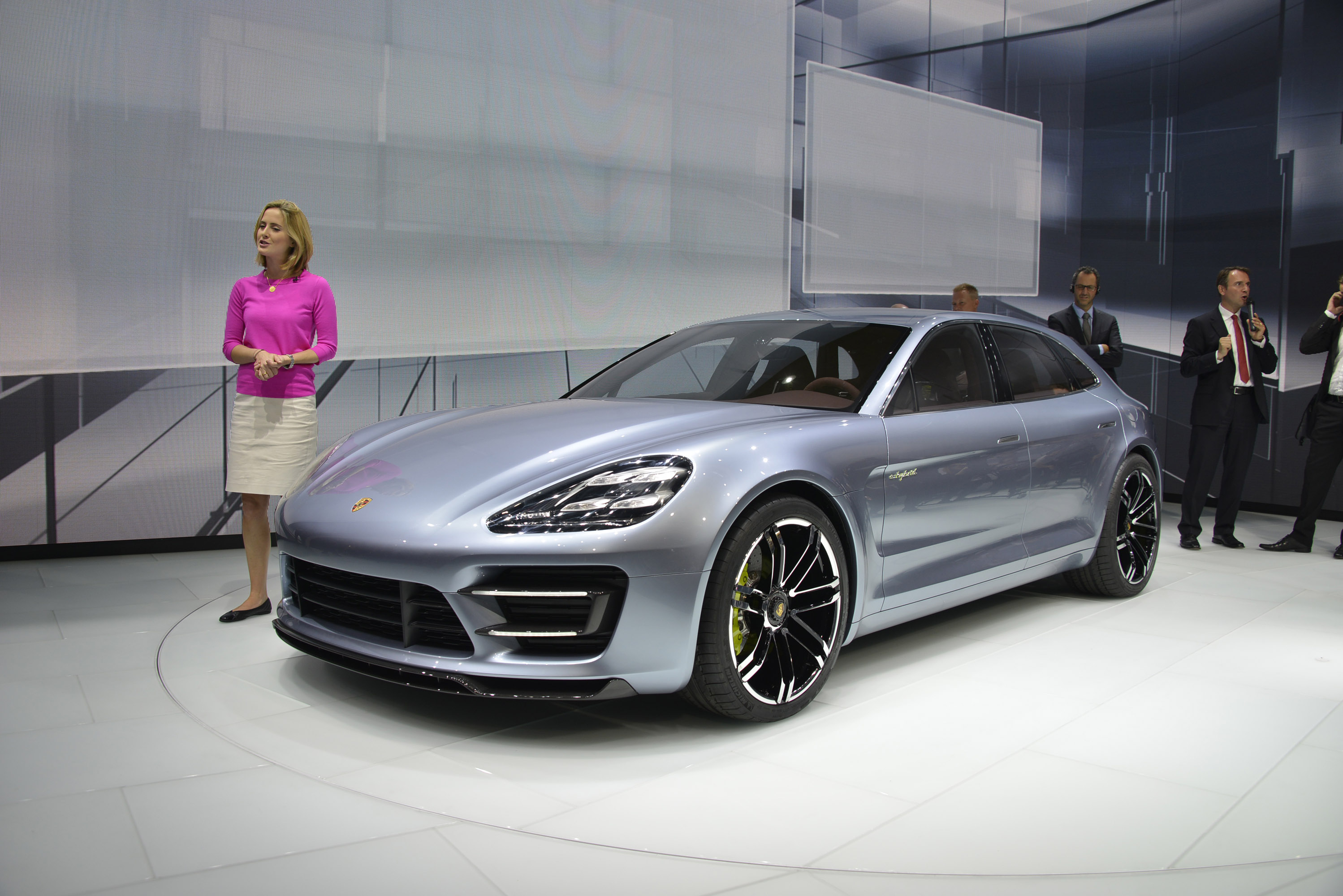 Lithium Ion Car Battery >> Glimpse of the new Porsche Panamera Sport Turismo Concept Car