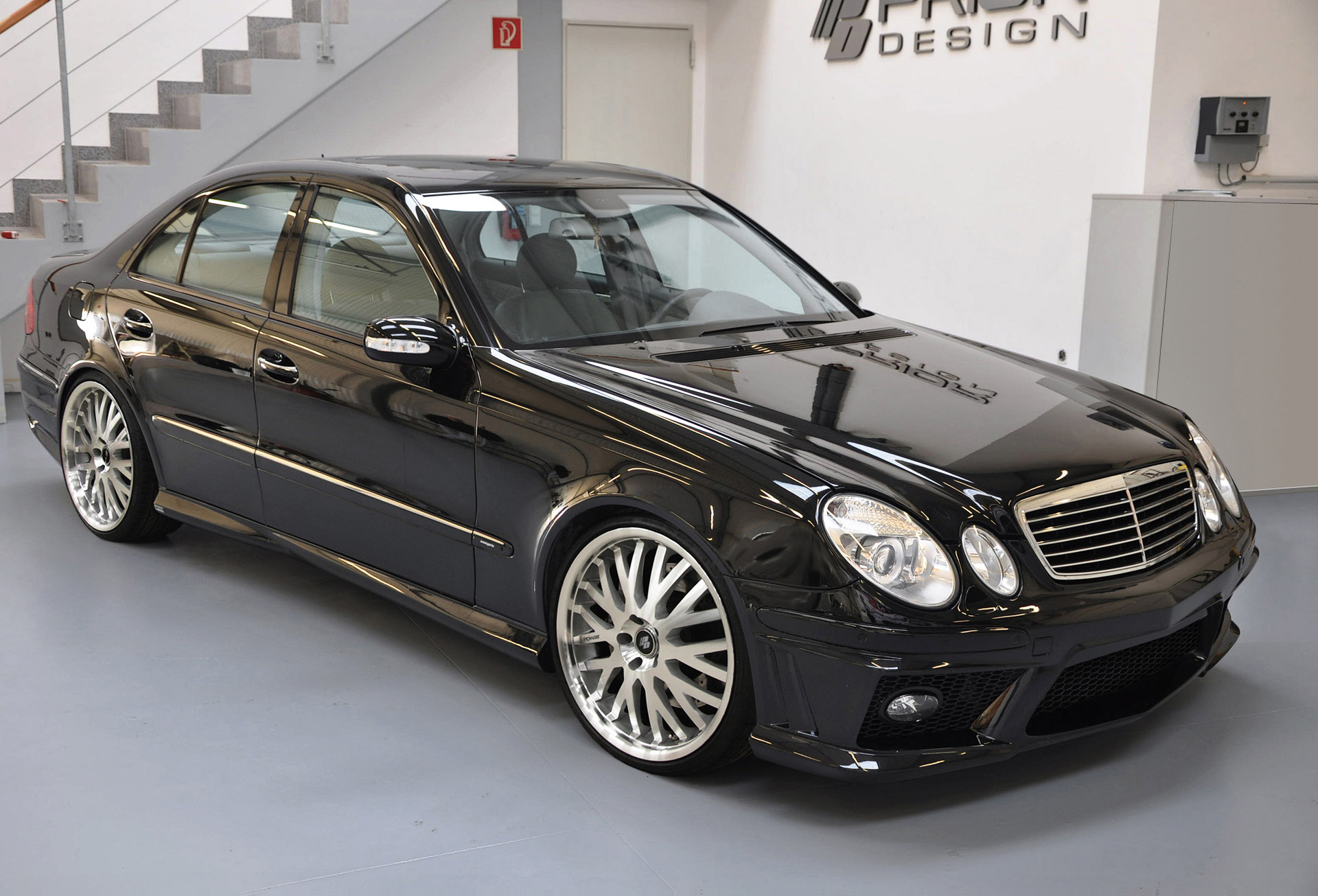 Mercedes Benz E Class W211 Is Back With Prior Styling