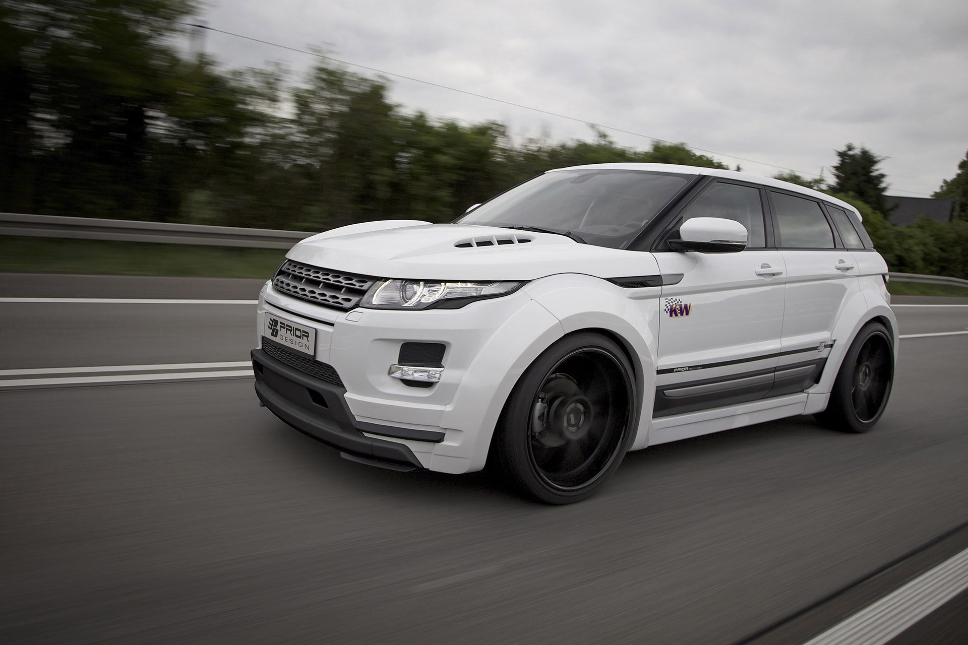 prior design range rover evoque pd650 equipped with widebody aerodynamic kit. Black Bedroom Furniture Sets. Home Design Ideas