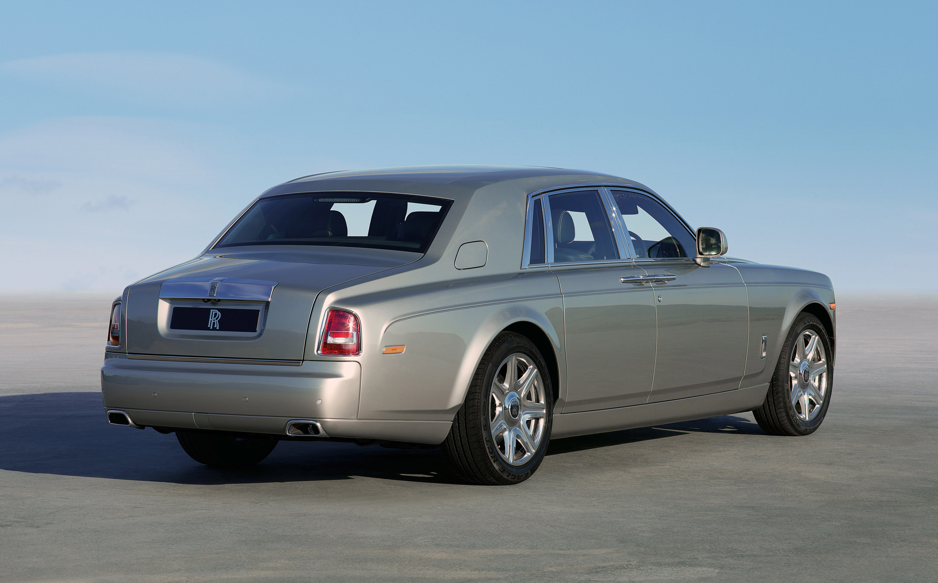 rolls royce phantom series ii saloon coupe drophead and extended. Black Bedroom Furniture Sets. Home Design Ideas