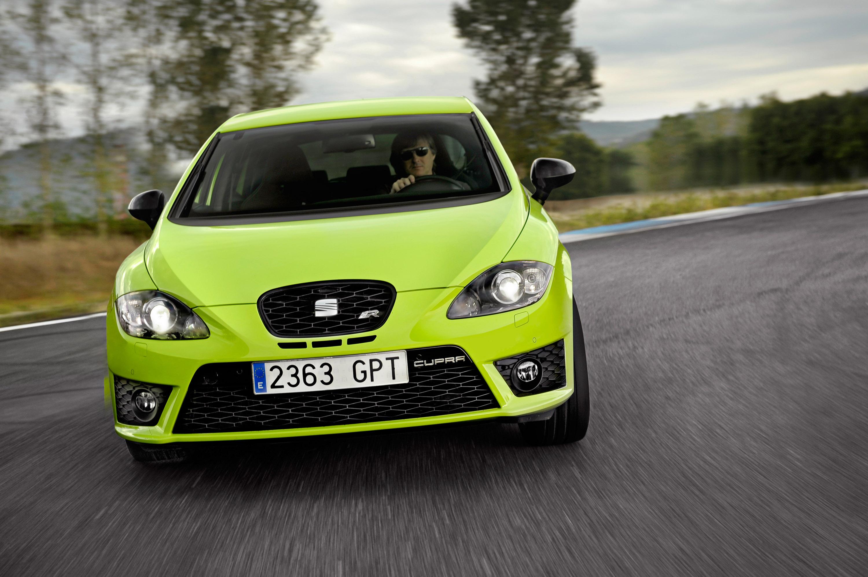 new british sportscar poised to set pulses racing. Black Bedroom Furniture Sets. Home Design Ideas