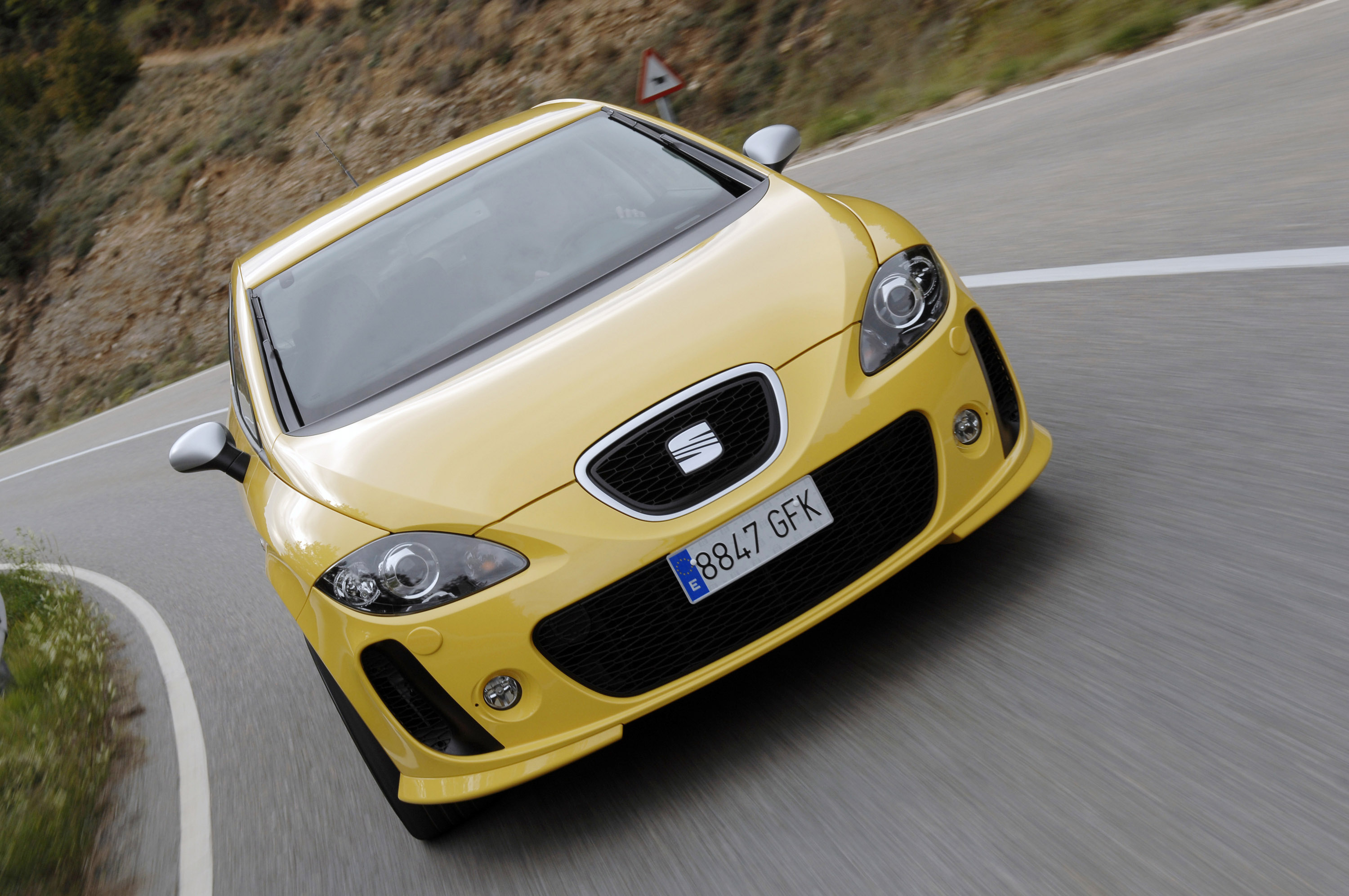 seat leon linea r specs price release date redesign. Black Bedroom Furniture Sets. Home Design Ideas