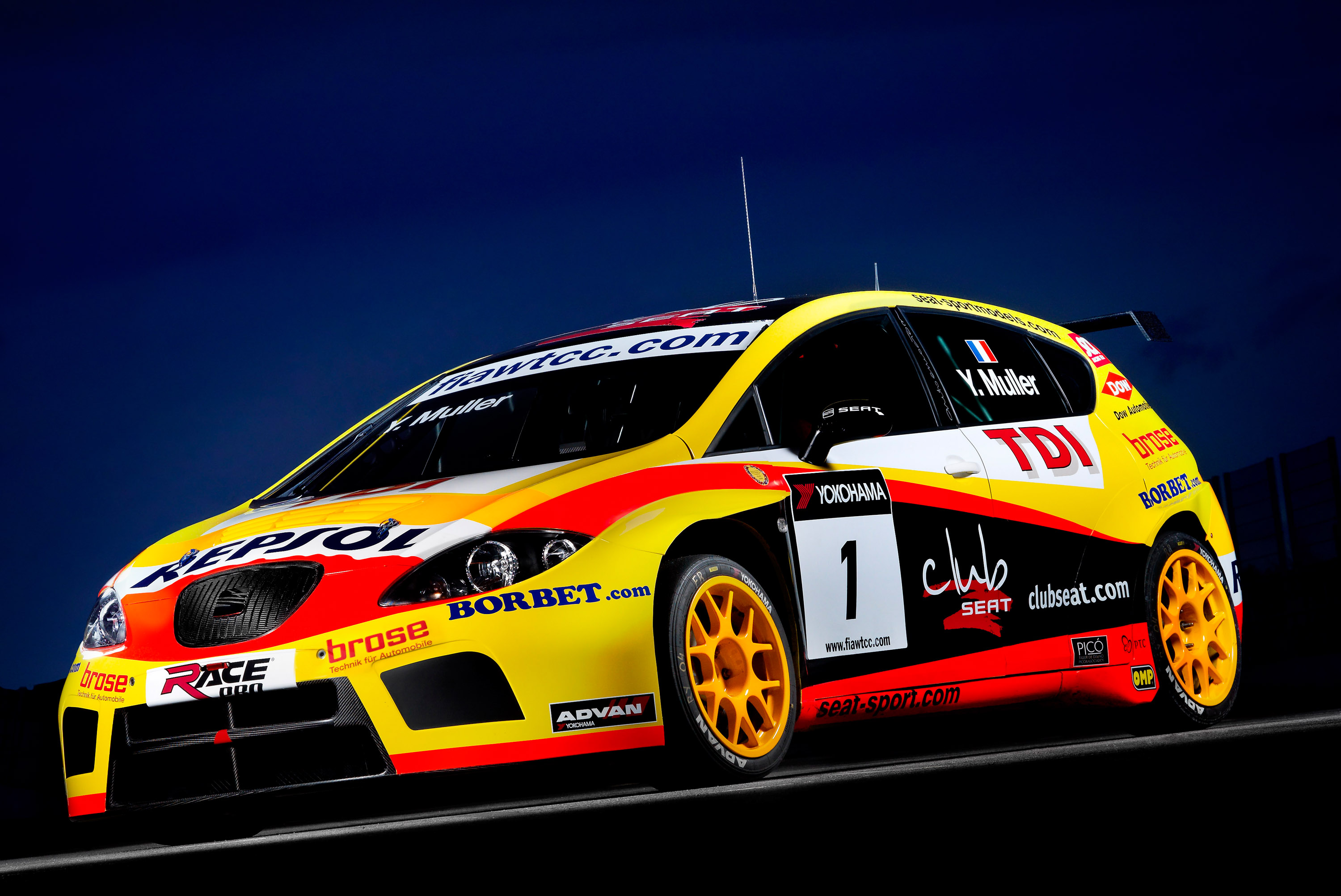 SEAT Strengthens Its WTCC Leadership