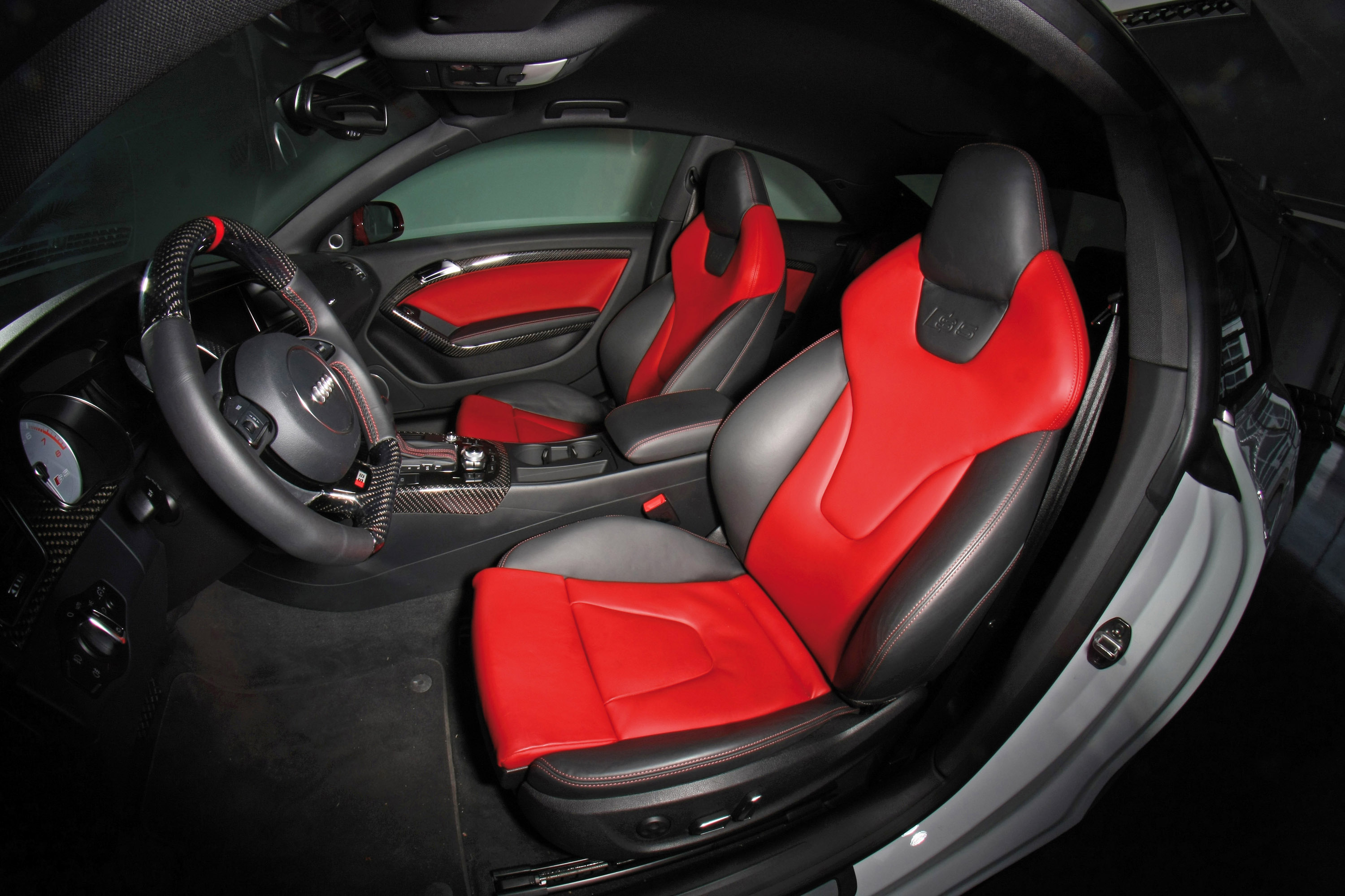 senner tuning adds more carbon to the audi s5 coupe. Black Bedroom Furniture Sets. Home Design Ideas