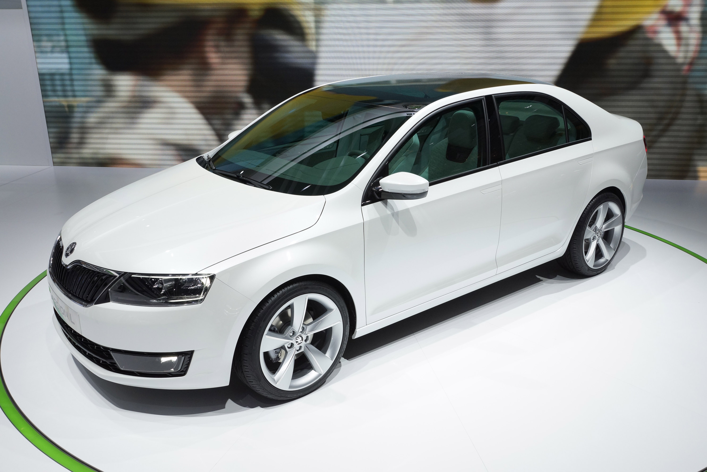 skoda missionl concept targets qatar motor show. Black Bedroom Furniture Sets. Home Design Ideas