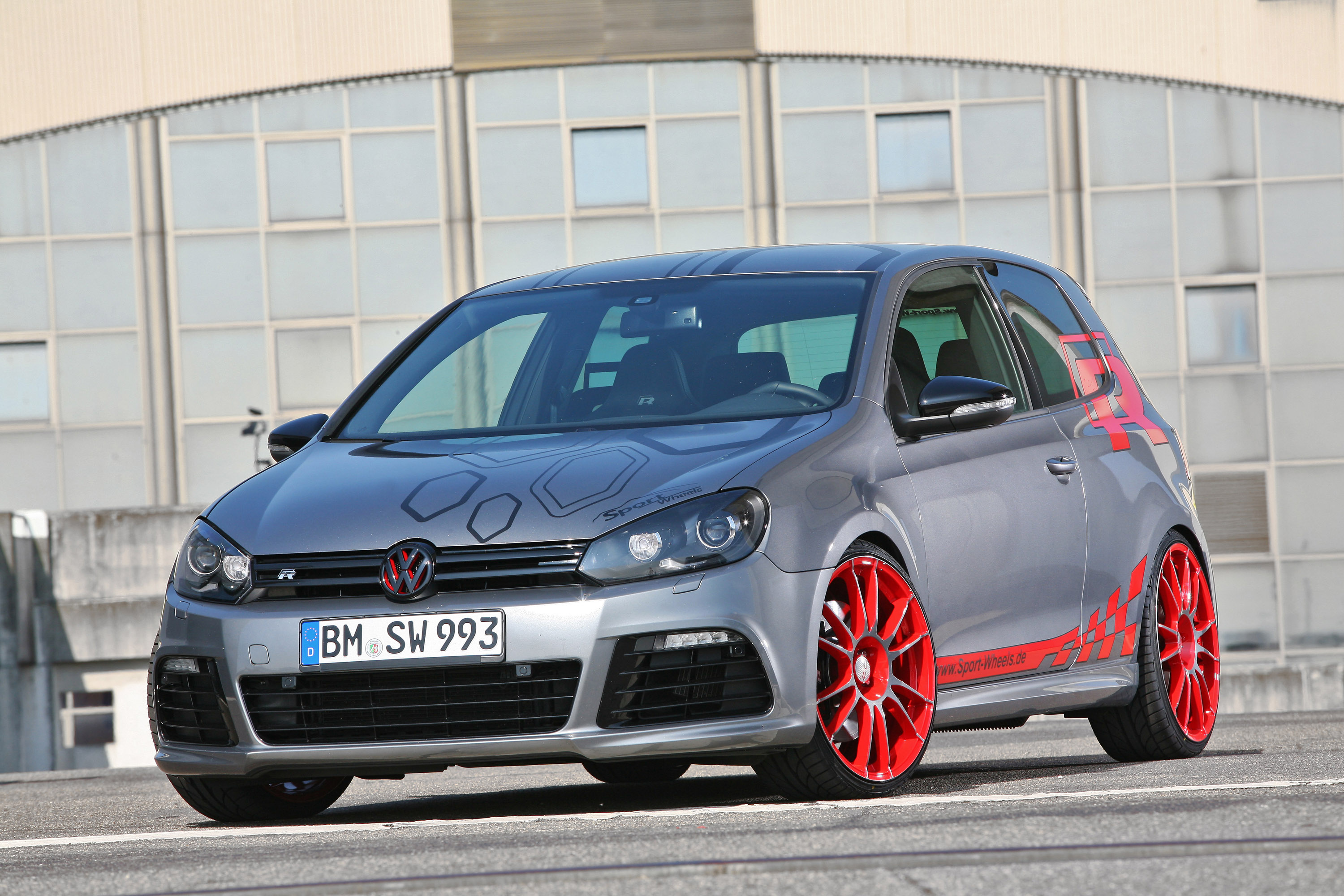 sport wheels packs the vw golf 6r with 330 hp. Black Bedroom Furniture Sets. Home Design Ideas
