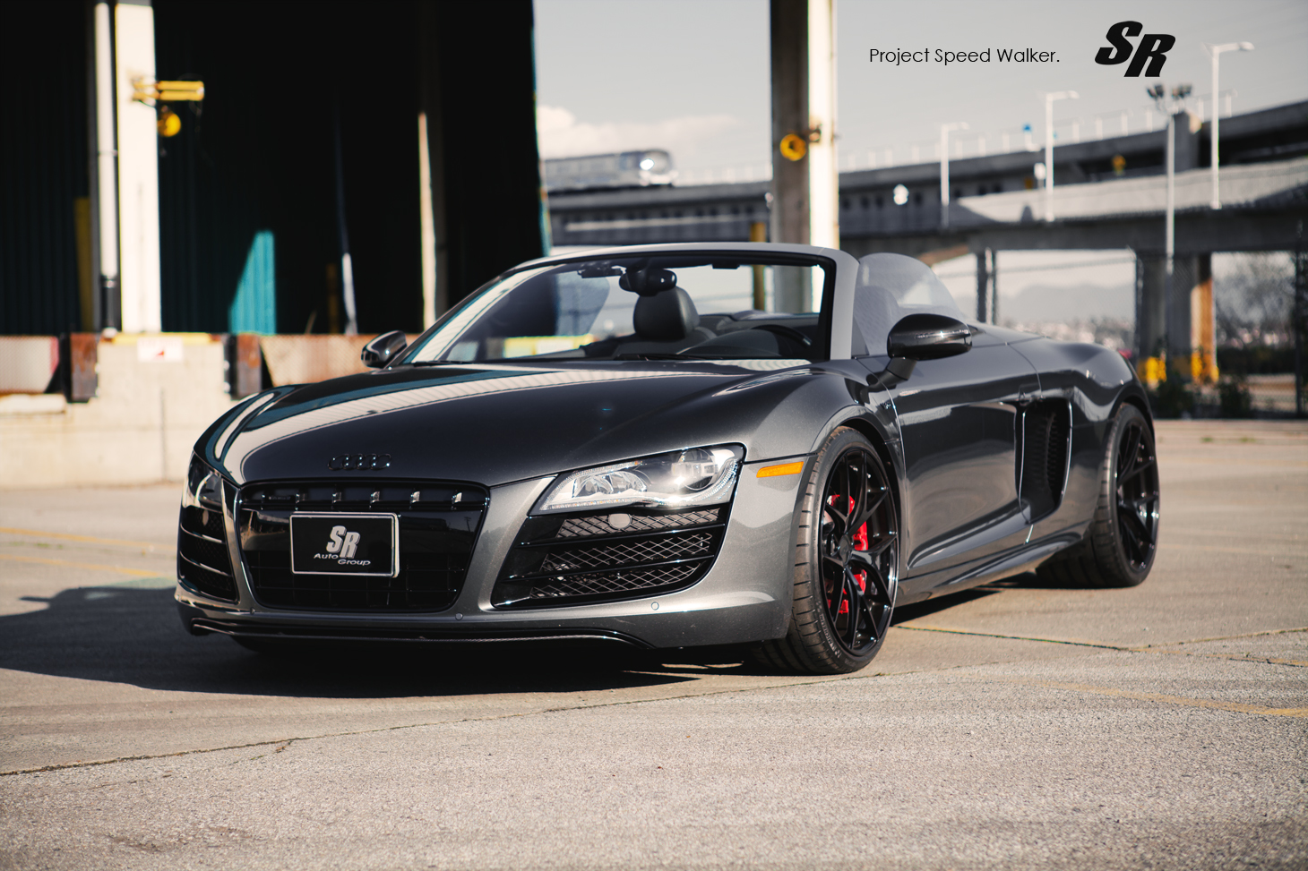 R8 Spyder car - Color: Gray  // Description: performance-inspired powerful superb