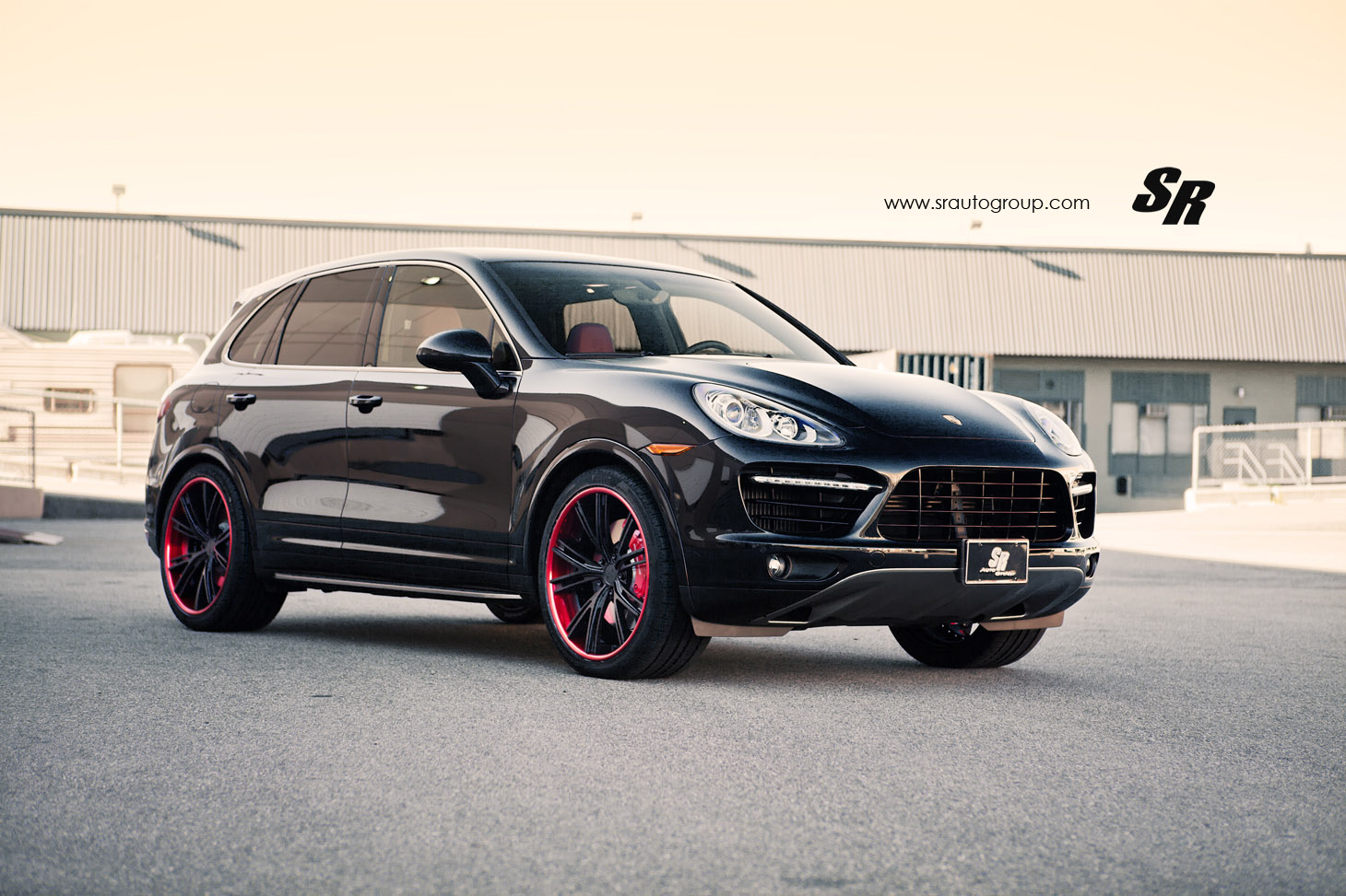 sr auto porsche cayenne turbo s with davinci red accents. Black Bedroom Furniture Sets. Home Design Ideas