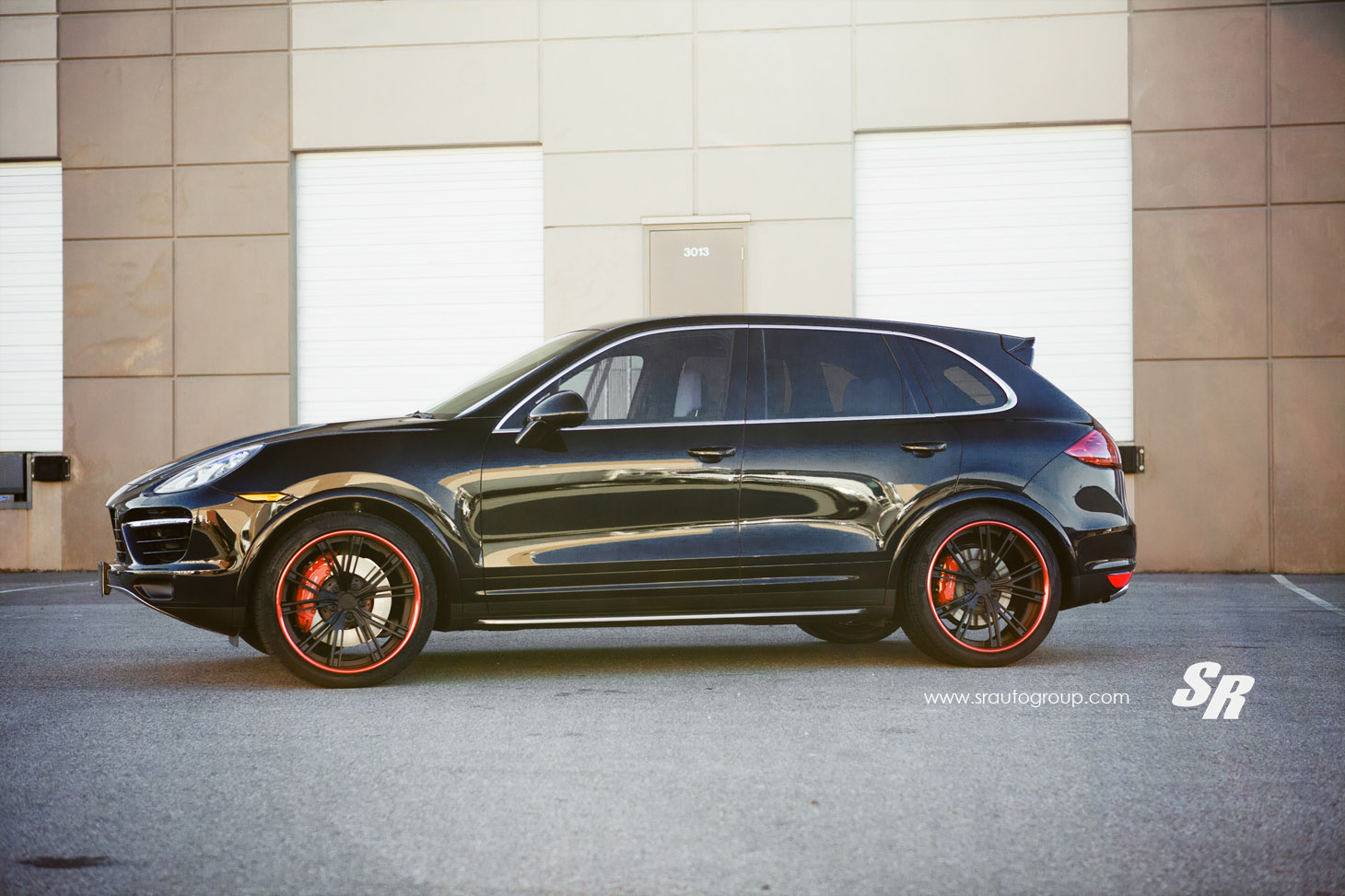 Sr Auto Porsche Cayenne Turbo S With Davinci Red Accents