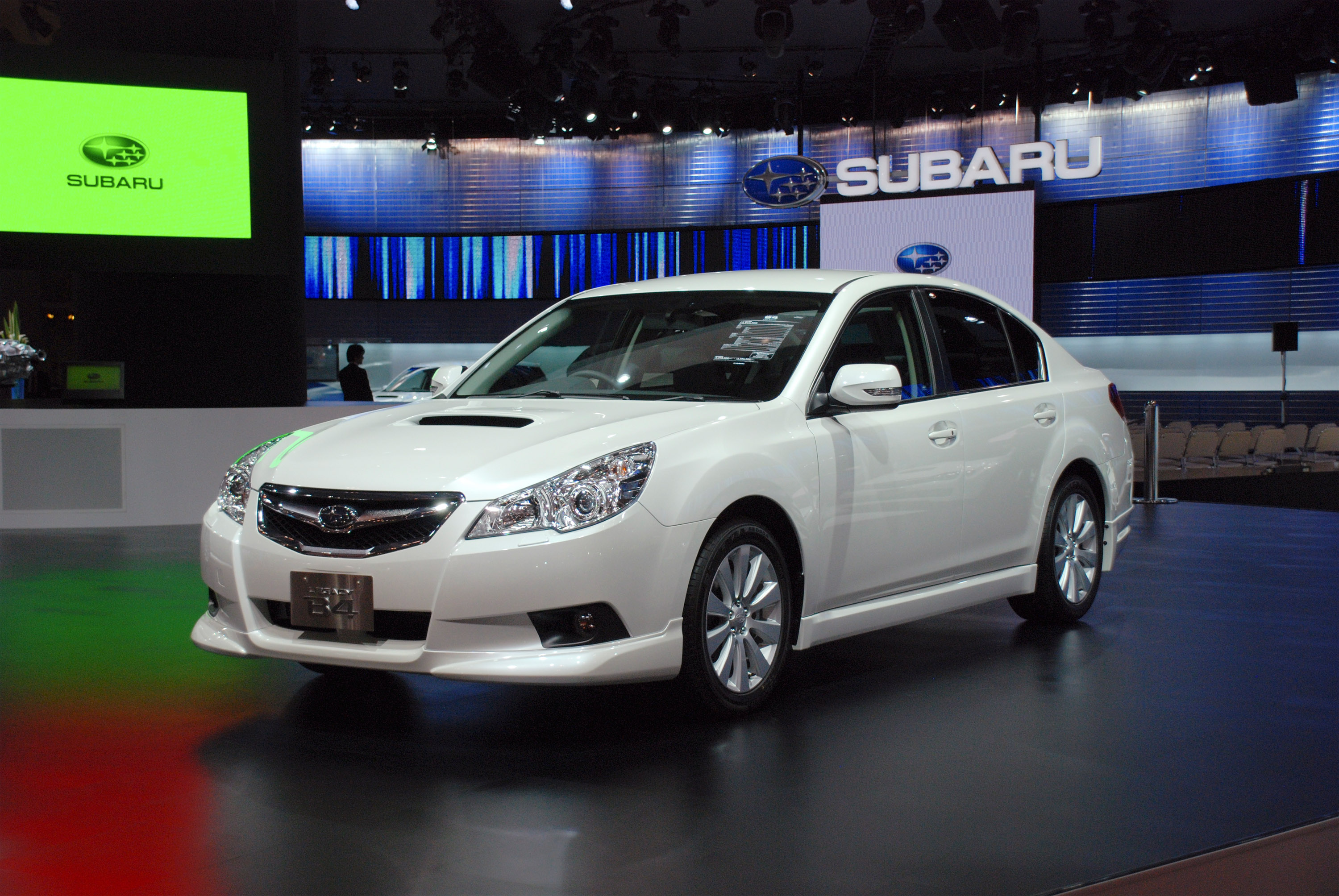 Subaru legacy b4 tokyo 2009 hd pictures automobilesreview thumbnail image 1 of this gallery vanachro Image collections