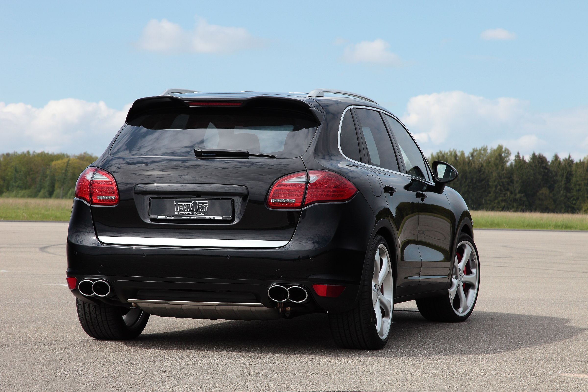 2011 porsche cayenne exclusively restyled by techart. Black Bedroom Furniture Sets. Home Design Ideas