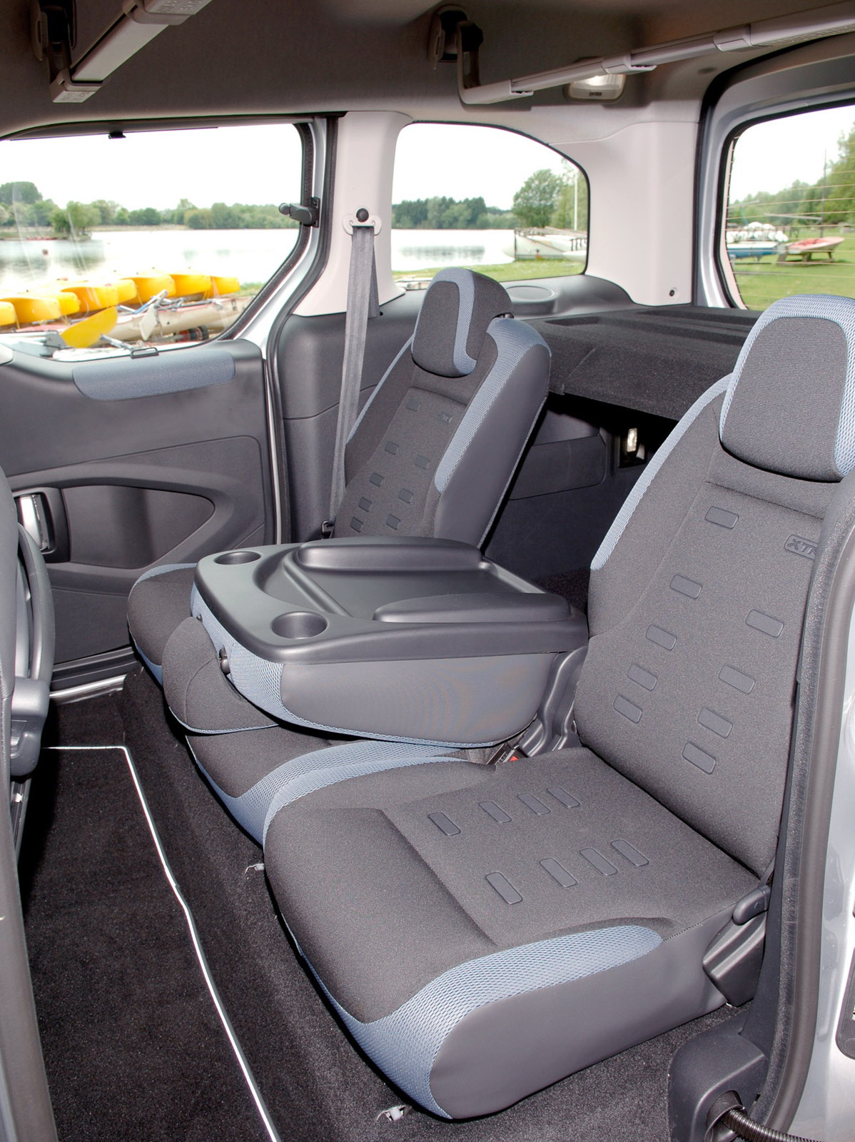 Mercedes Cargo Van >> Citroen Berlingo Multispace - Picture 34286