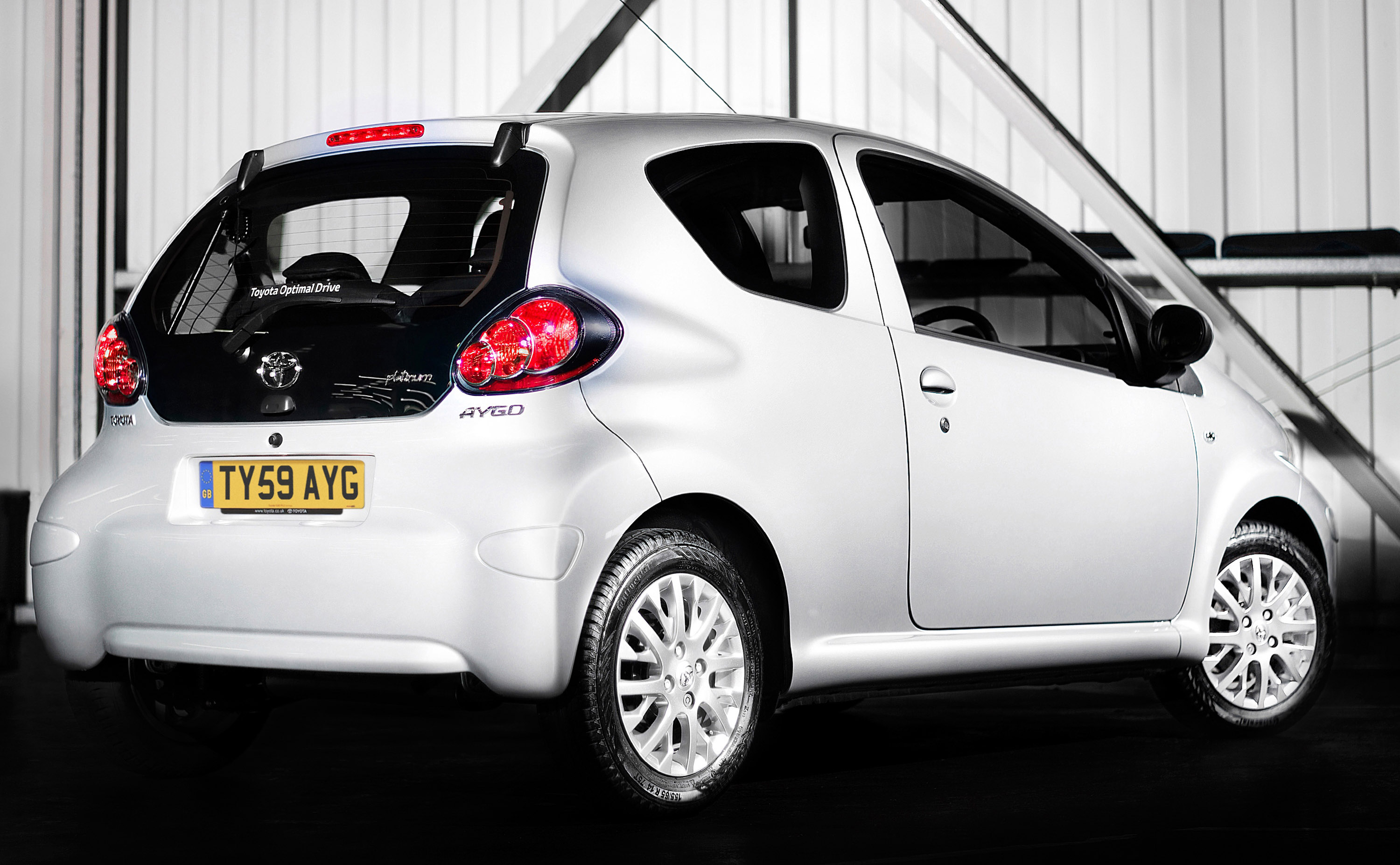toyota aygo and yaris bring highest satisfaction. Black Bedroom Furniture Sets. Home Design Ideas