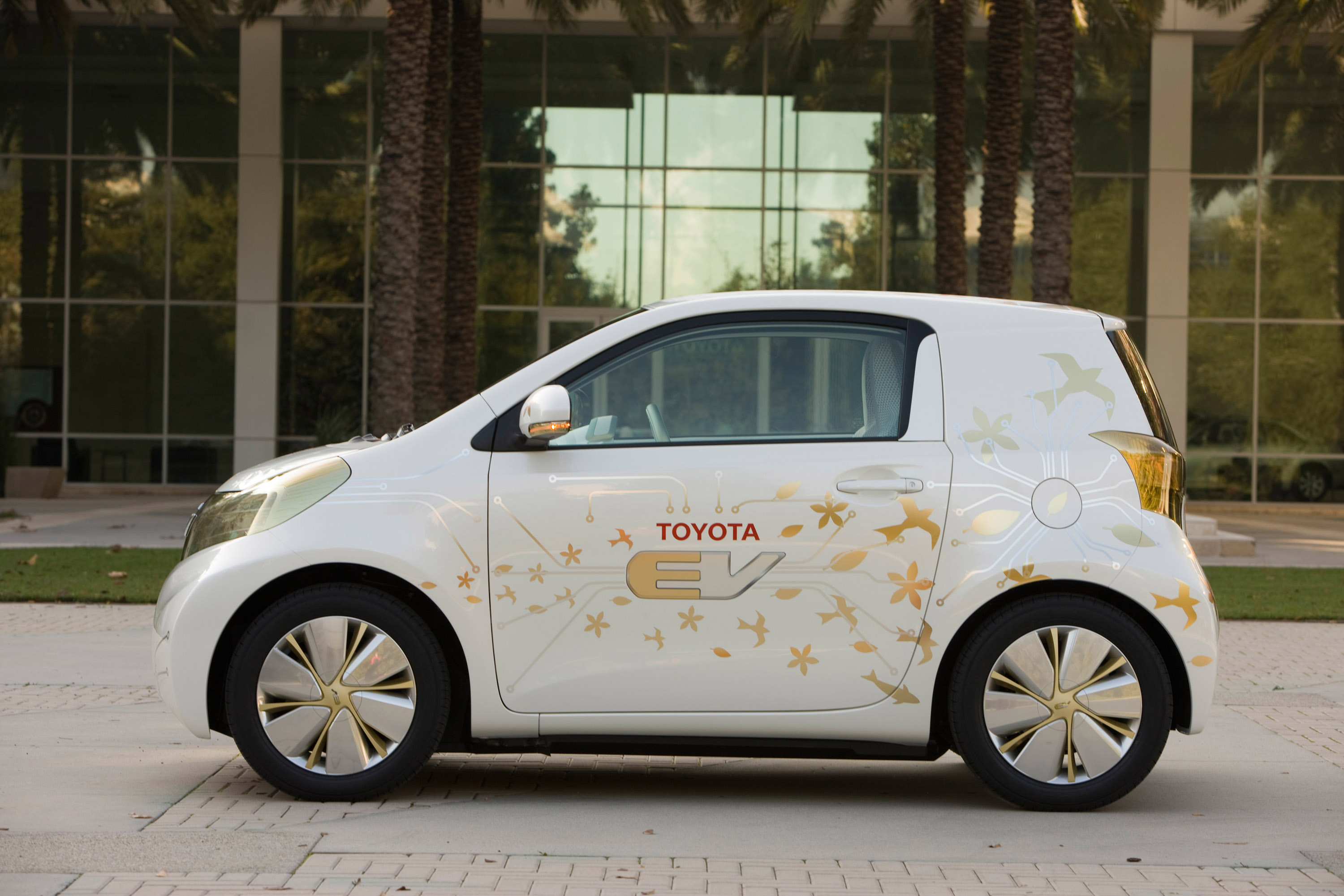 Toyota Ev Concept Confirms Battery Electric Vehicle In 2012