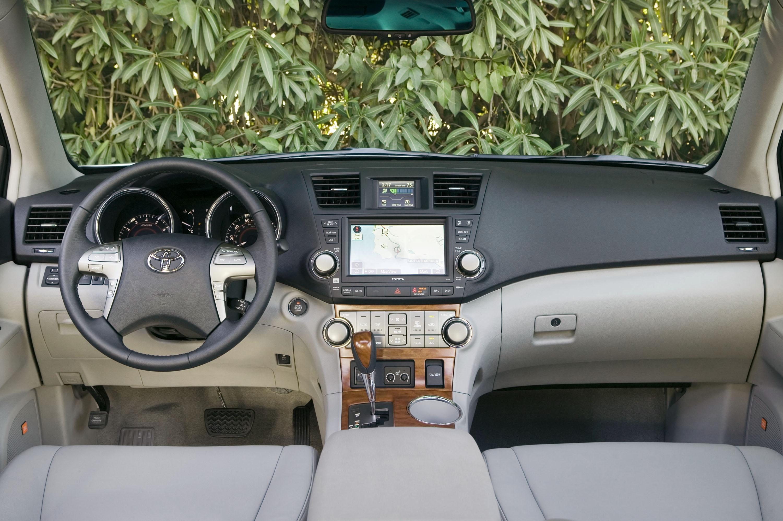 New Generation Toyota Highlander Gets New Four Cylinder