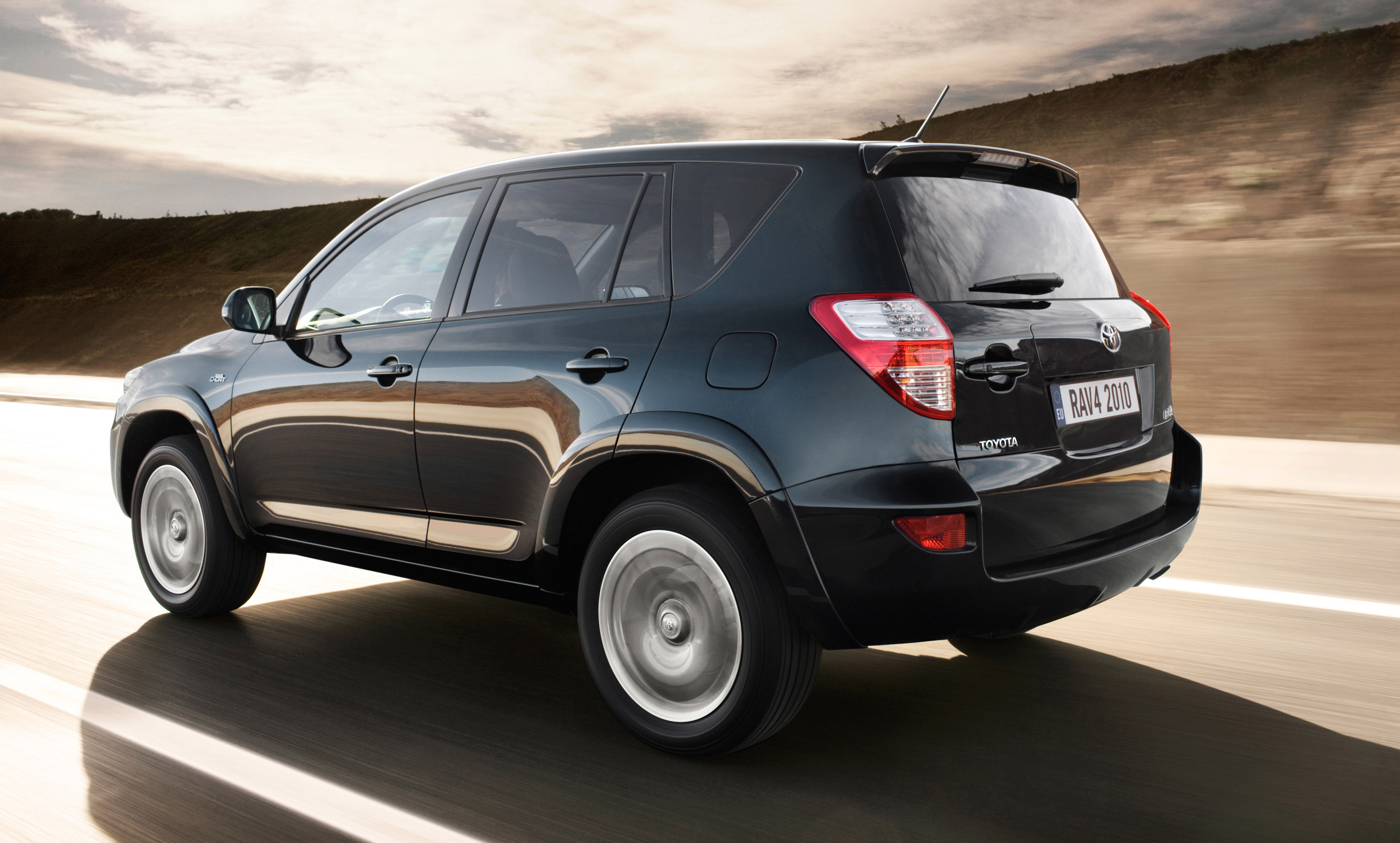 2010 toyota rav4 now offers better equipment at the same price. Black Bedroom Furniture Sets. Home Design Ideas