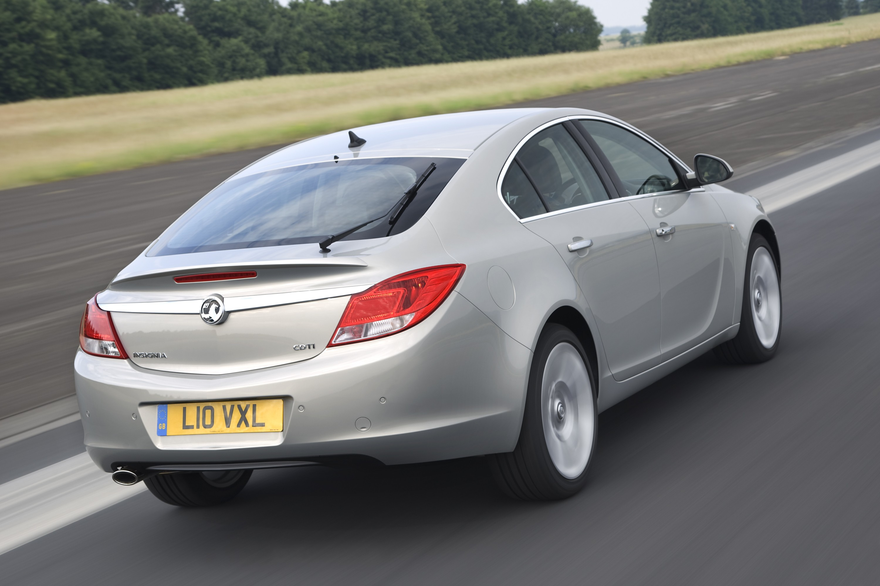 vauxhall insignia voted car of the year 2009. Black Bedroom Furniture Sets. Home Design Ideas