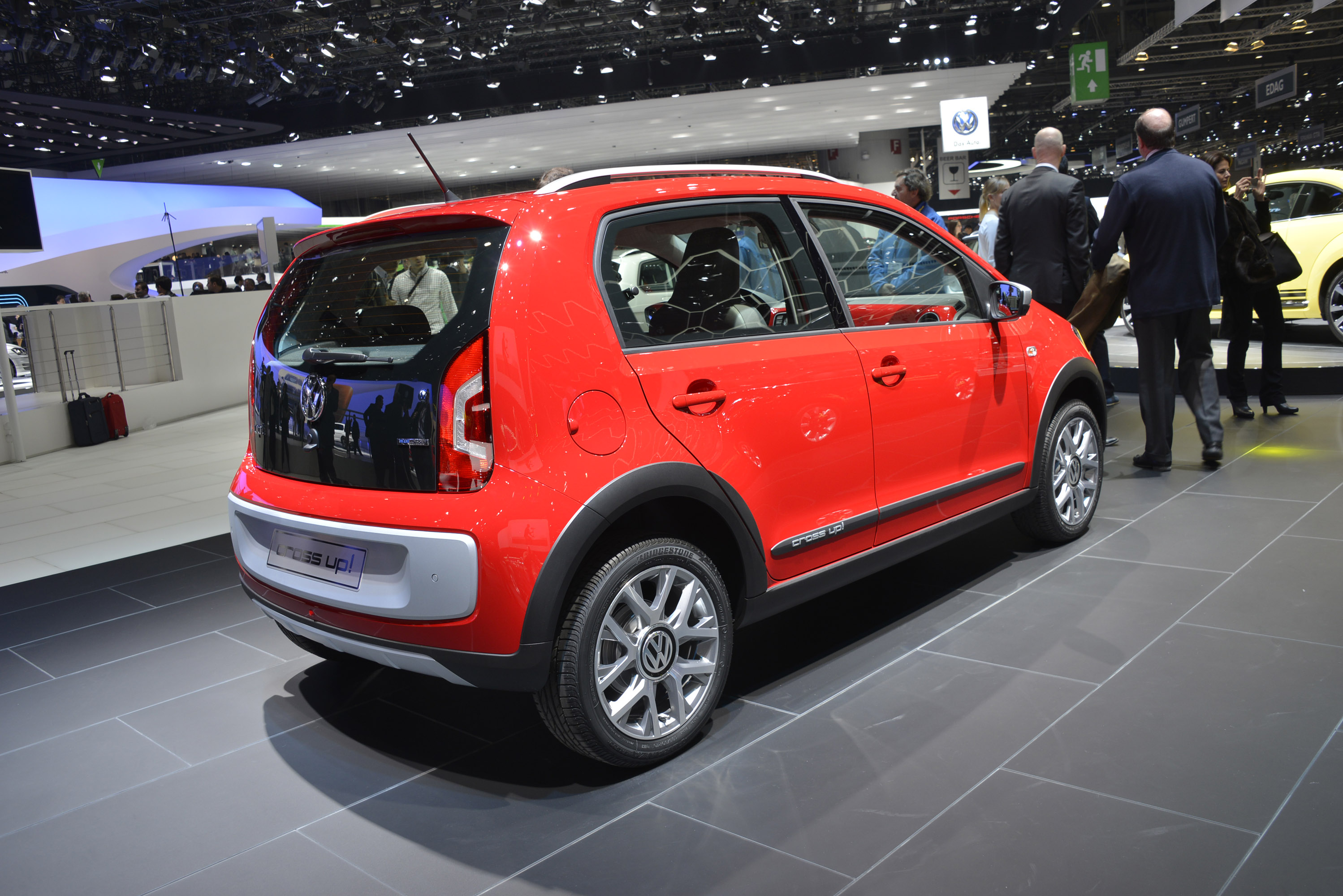 Volkswagen Cross Up Geneva 2013 Picture 82656