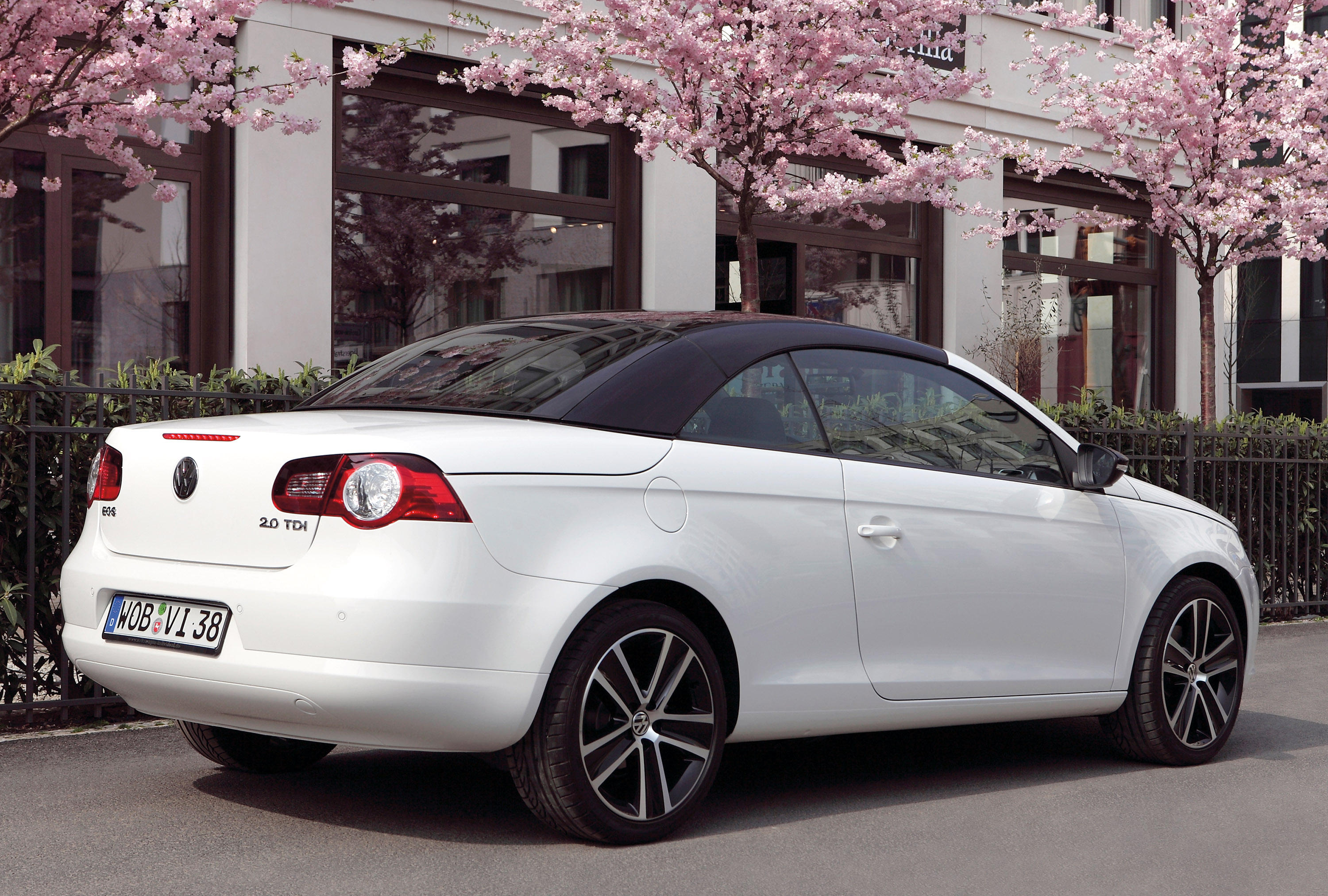 Volkswagen Eos White Night The Art Of The Constrast