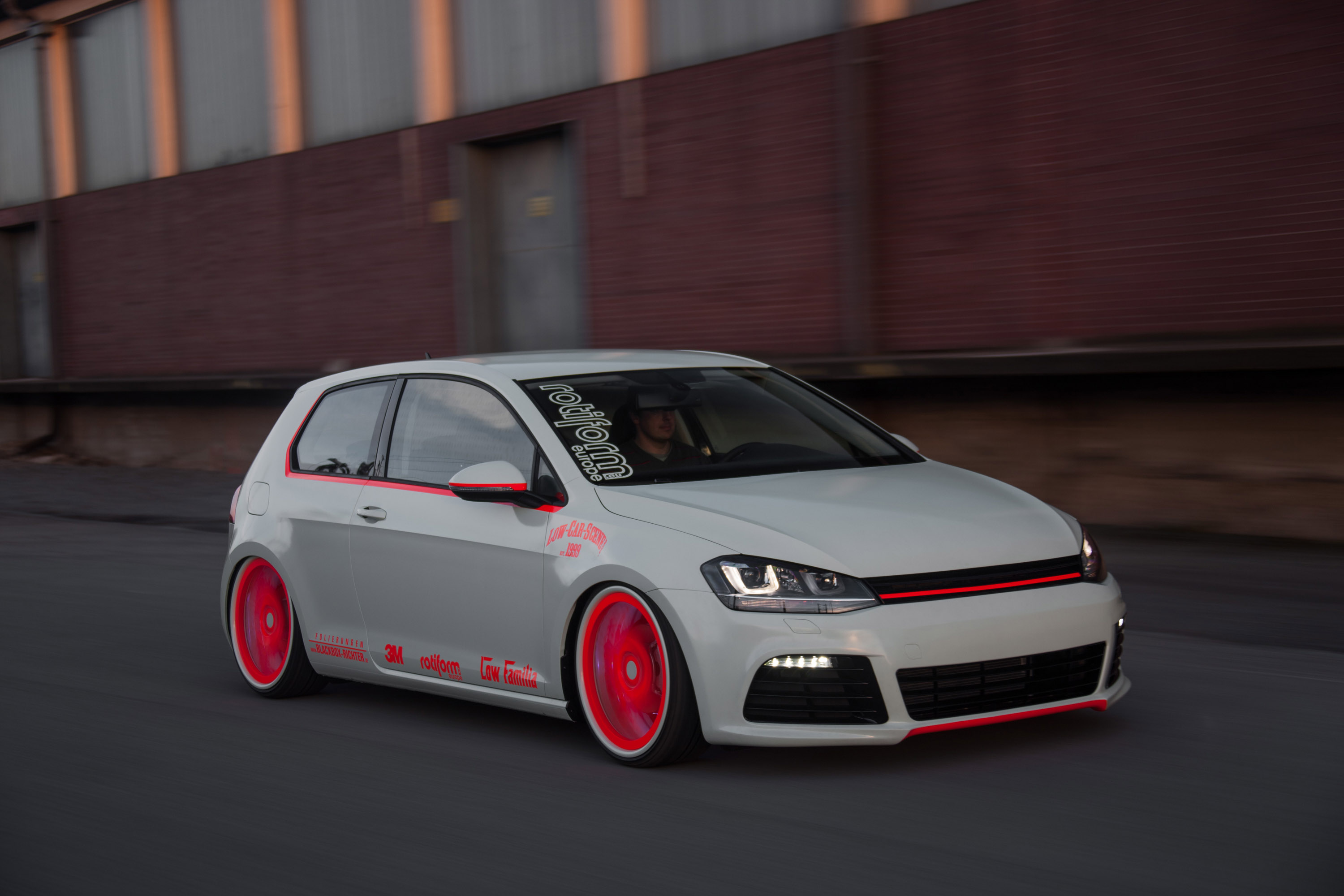 Volkswagen Golf VII Light-Tron by BlackBox-Richter and Low-Car-Scene