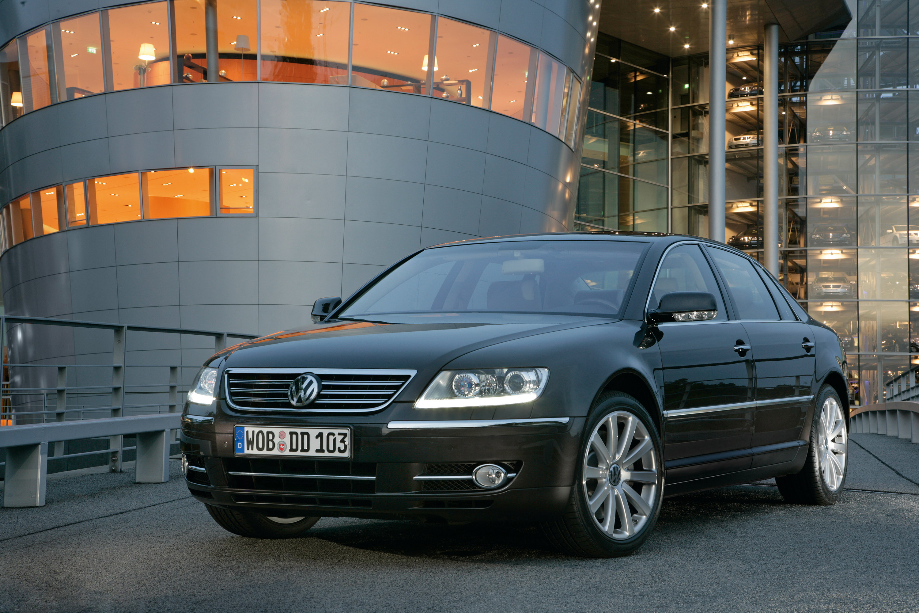 The Phaeton In Model Year 2009  Perfected Controls Concept