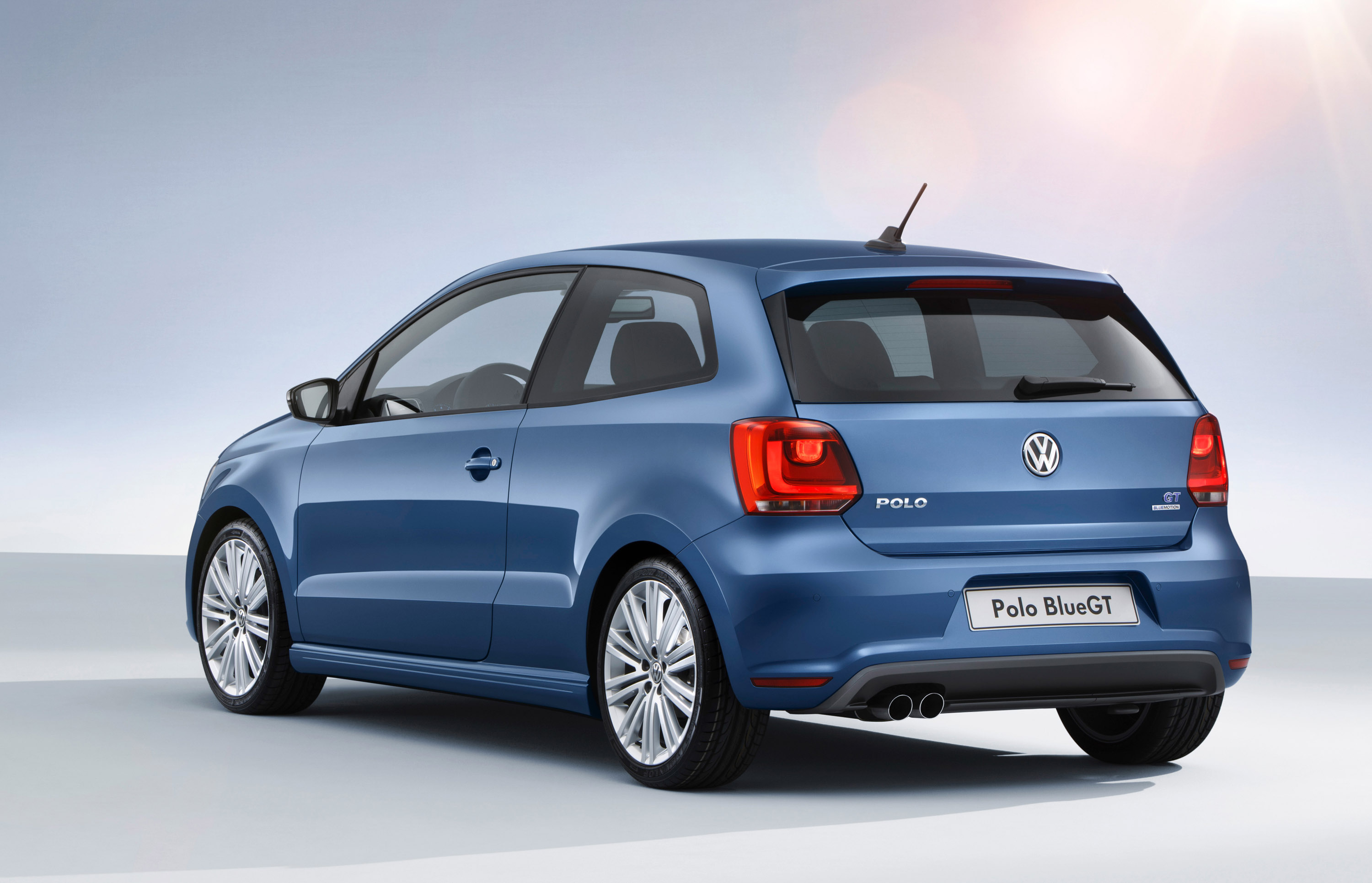 2013 volkswagen polo better value for money. Black Bedroom Furniture Sets. Home Design Ideas