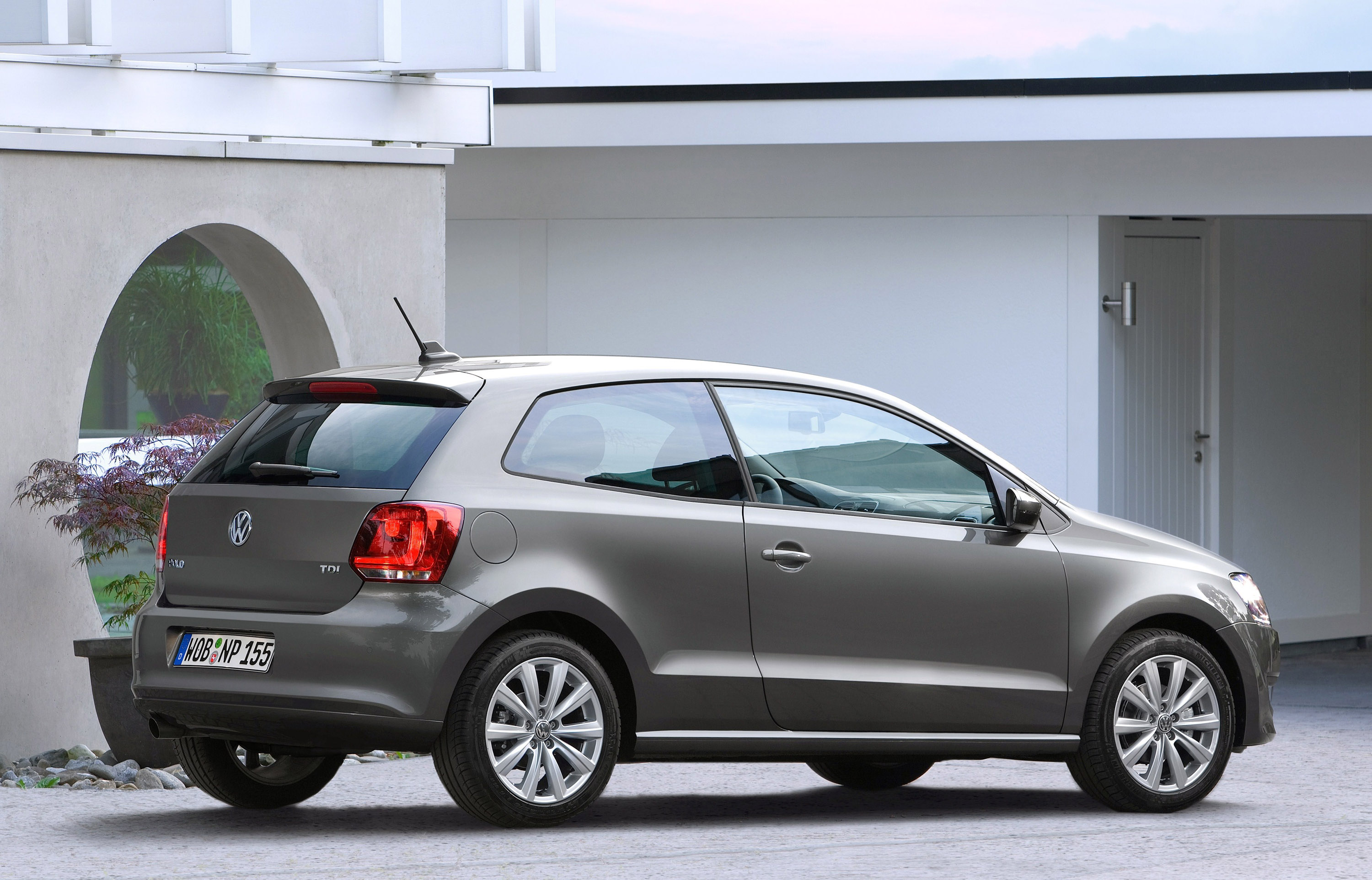 Volkswagen S 1 2 Tsi Engine Is Now Available For Polo
