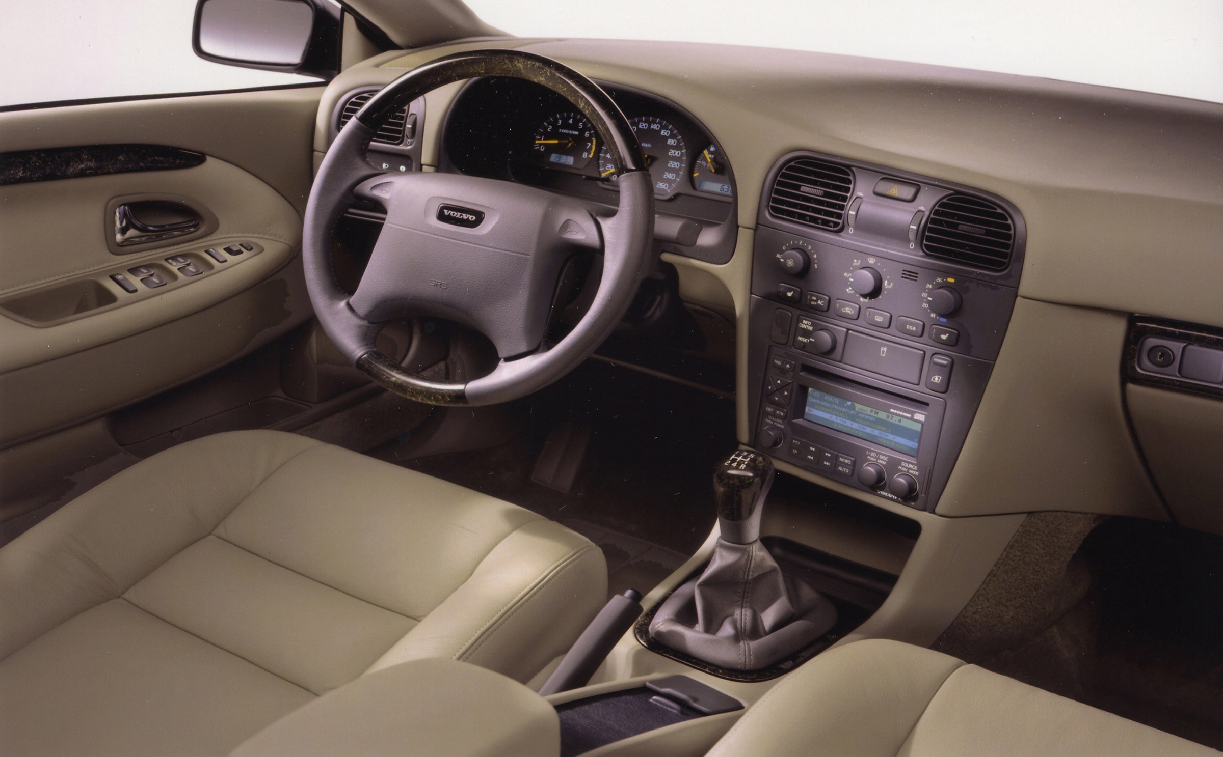 Volvos And V Interior on 2003 Dodge Viper