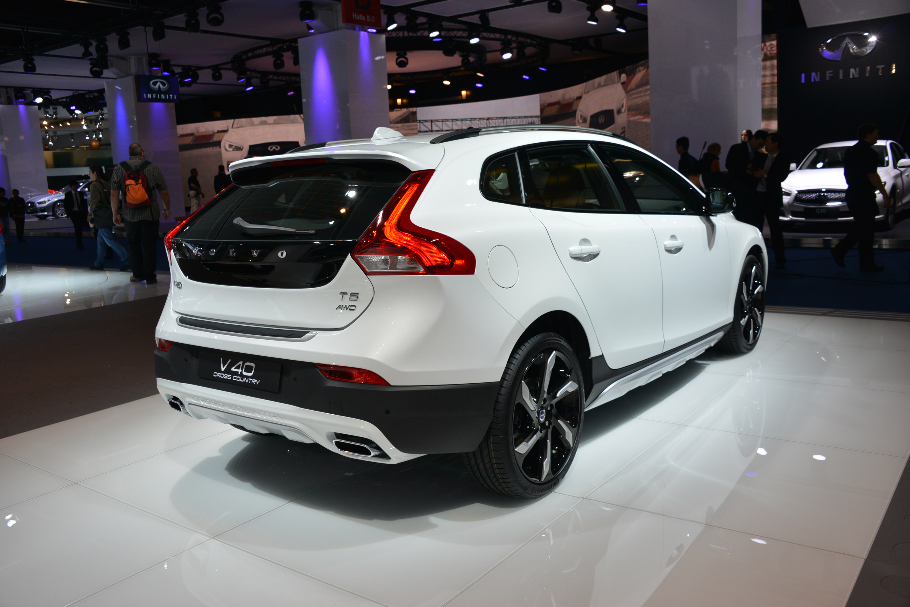 volvo announces engines included in v60 sportswagon model. Black Bedroom Furniture Sets. Home Design Ideas