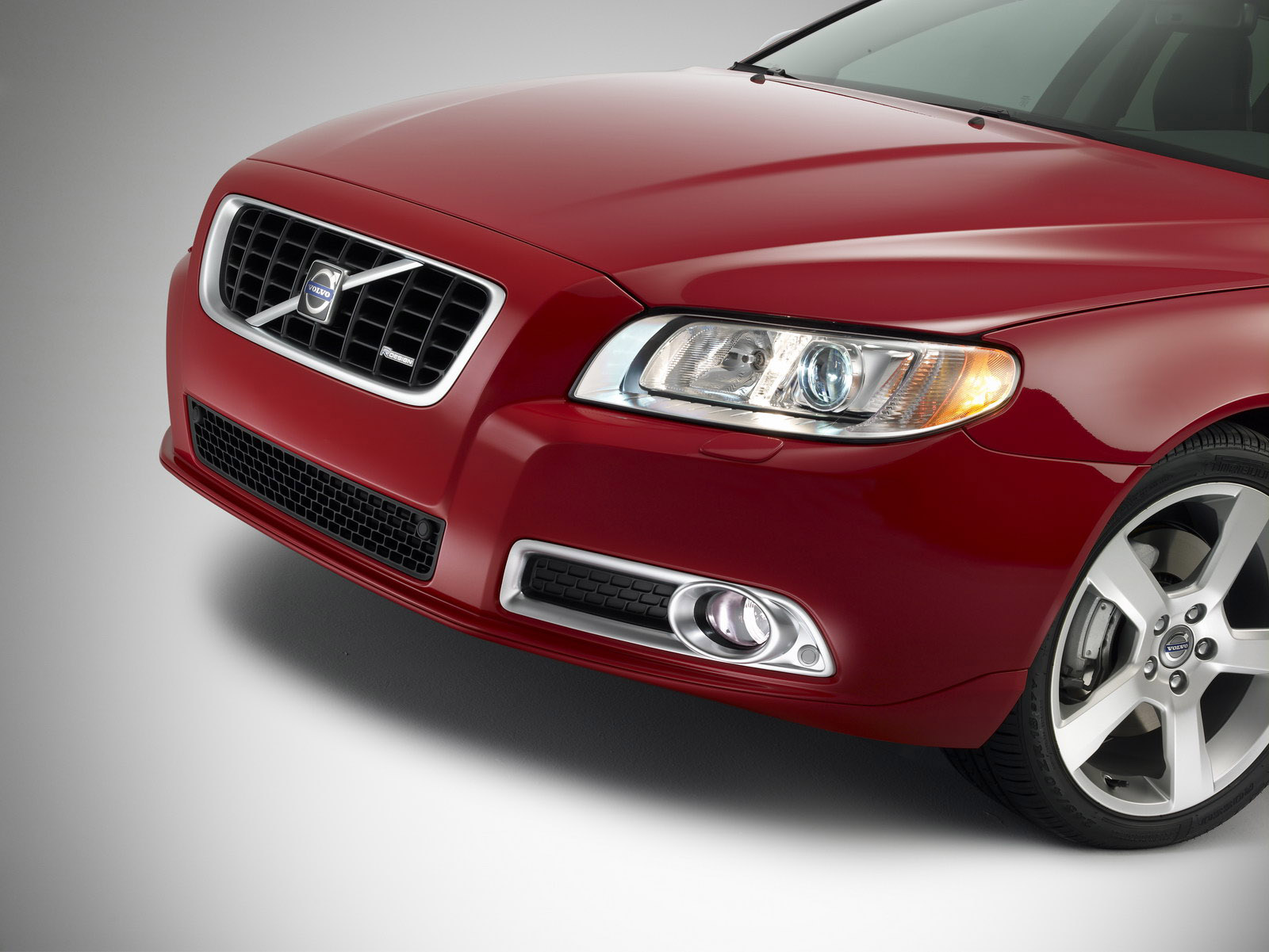 Volvo V70 R Design Loaded With Refined Options