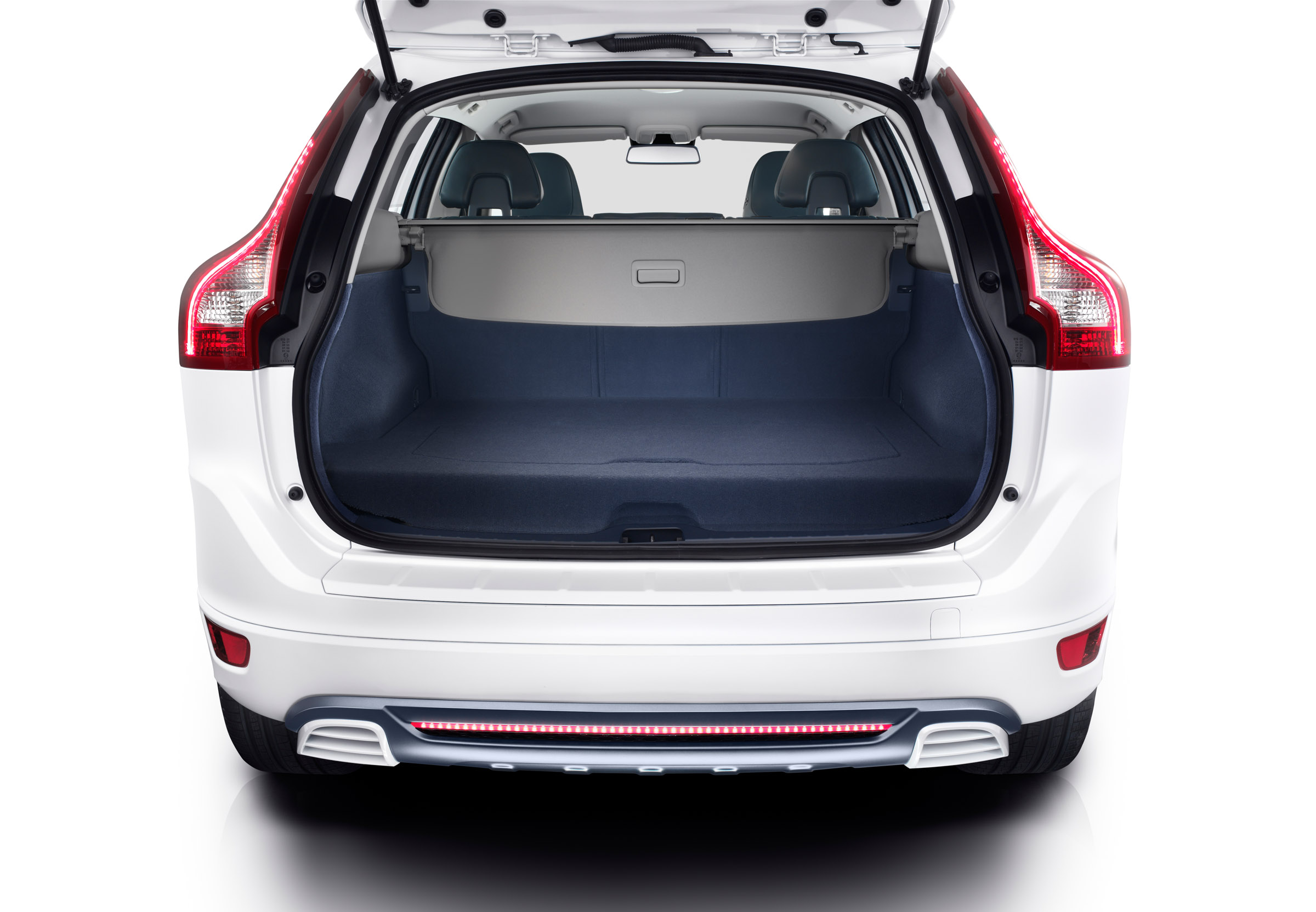 volvo xc60 plug in hybrid concept. Black Bedroom Furniture Sets. Home Design Ideas