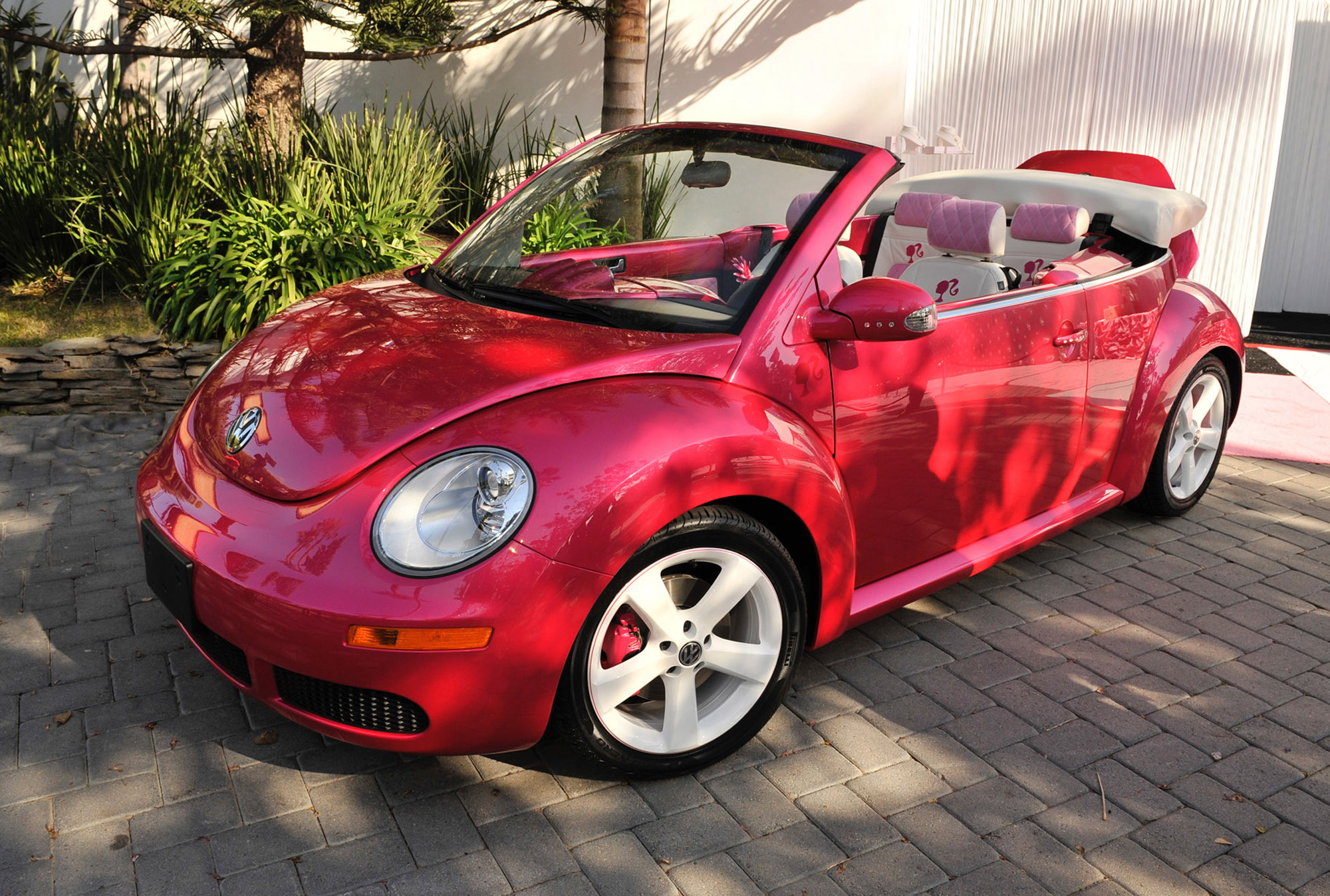 volkswagen beetle convertible barbie edition