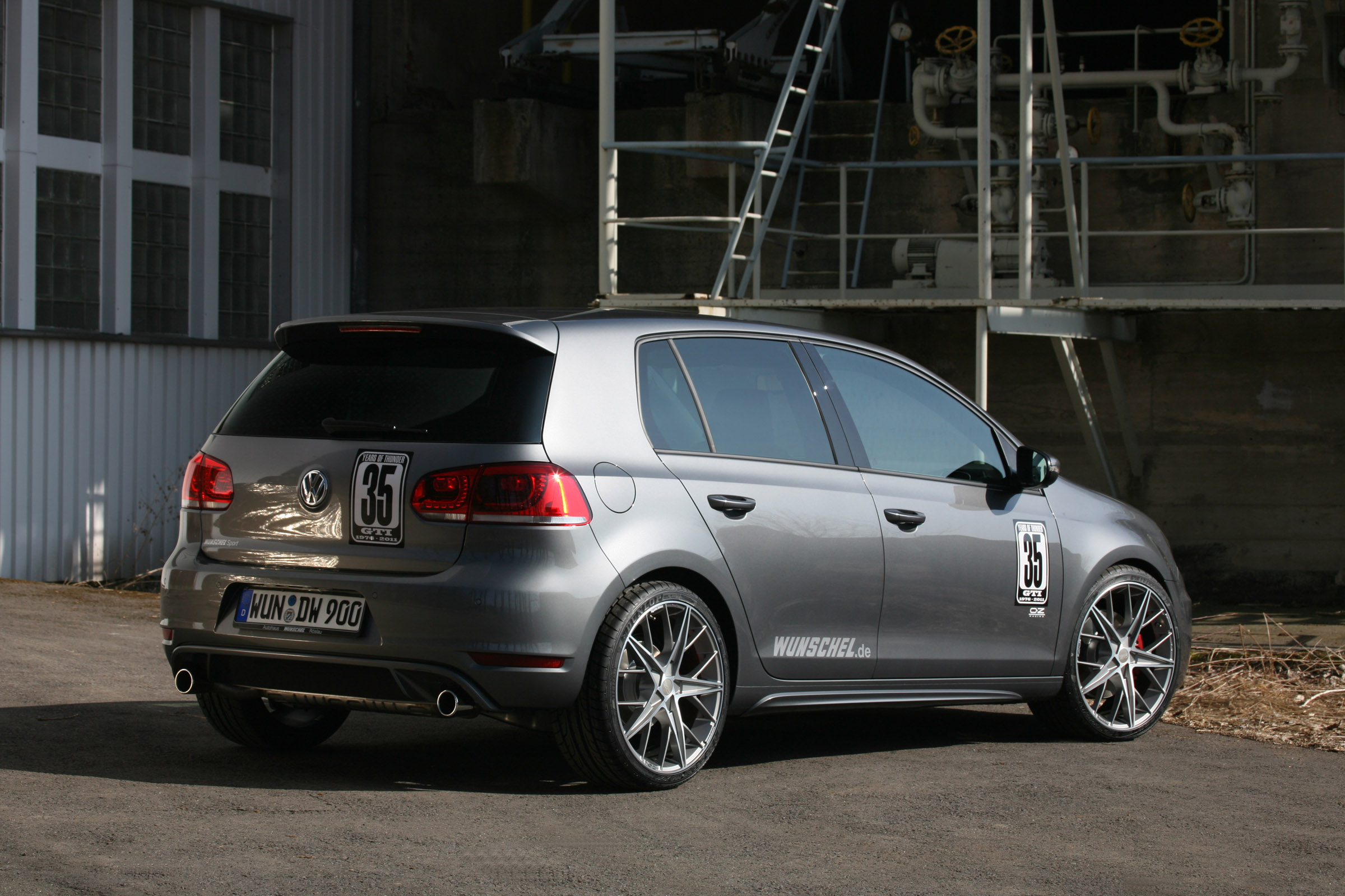 vw golf 6 gti by picture 51282. Black Bedroom Furniture Sets. Home Design Ideas