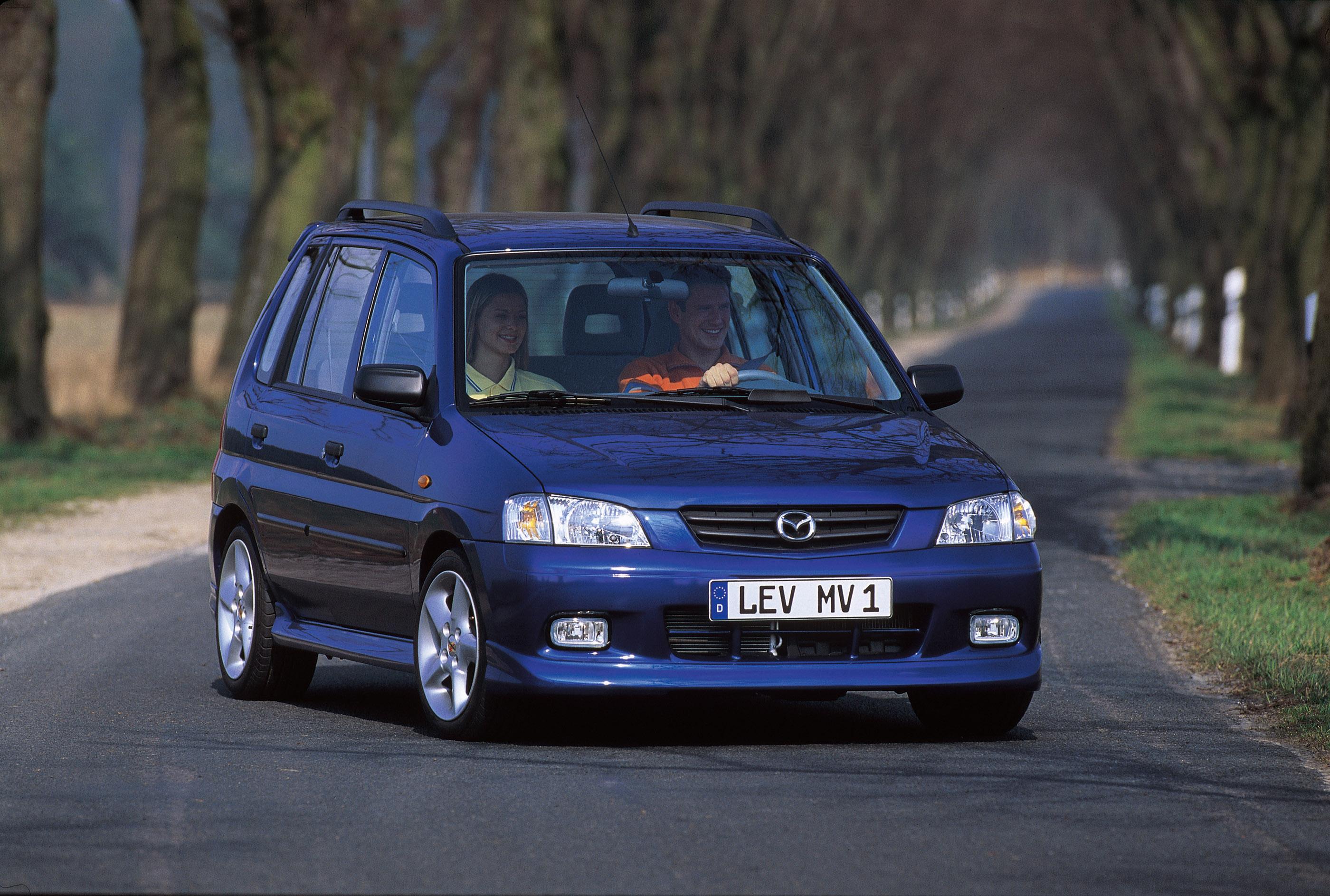 https://www.automobilesreview.com/img/2000-mazda-demio/2000-mazda-demio-02.jpg