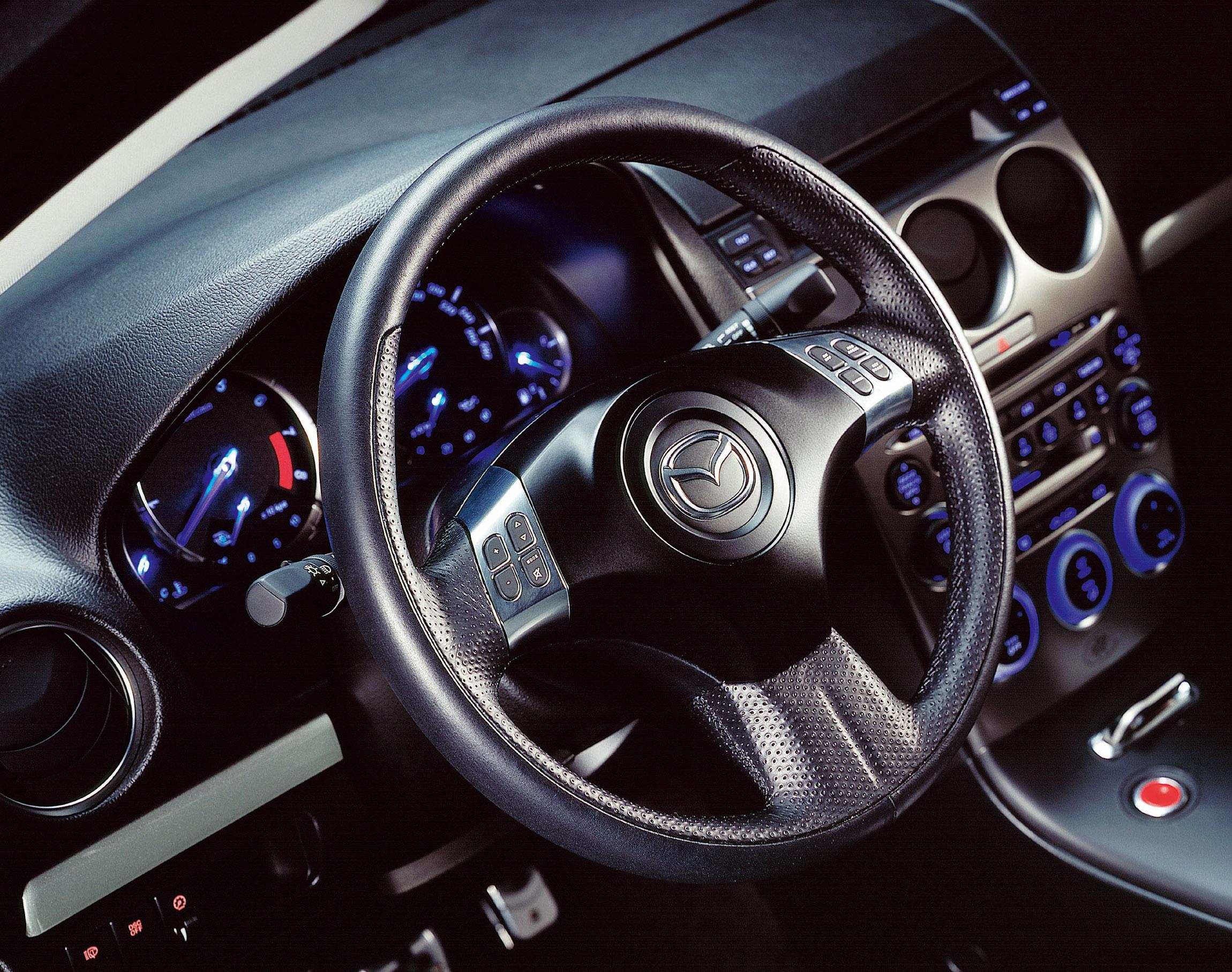 https://www.automobilesreview.com/img/2002-mazda-6-mps-concept/2002-mazda-6-mps-concept-17.jpg