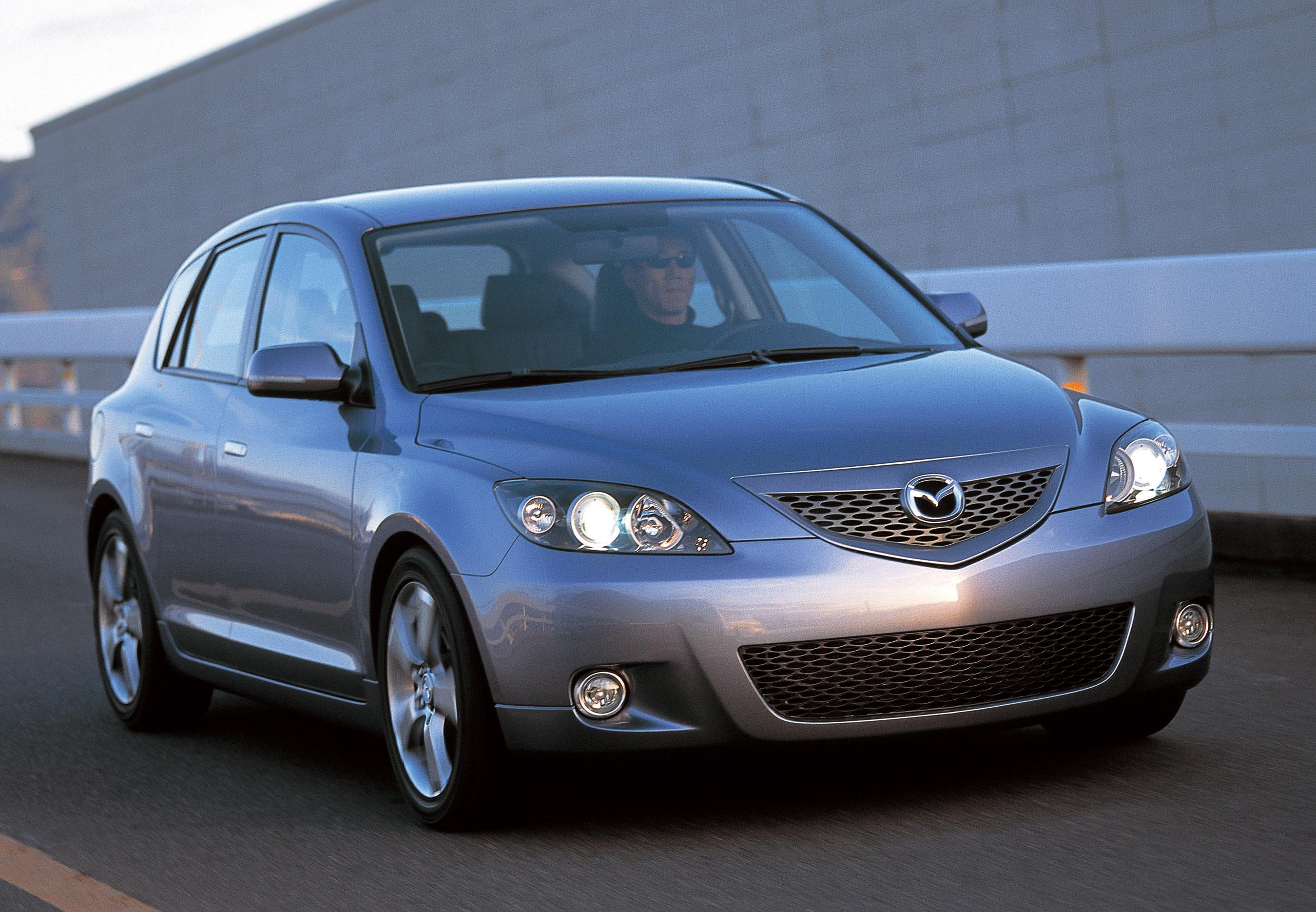 https://www.automobilesreview.com/img/2003-mazda-mx-sportif-concept/2003-mazda-mx-sportif-concept-03.jpg