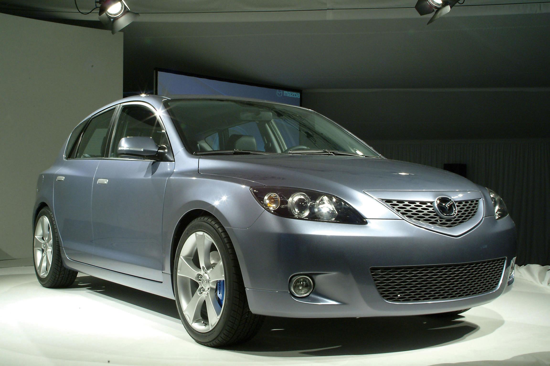https://www.automobilesreview.com/img/2003-mazda-mx-sportif-concept/2003-mazda-mx-sportif-concept-07.jpg
