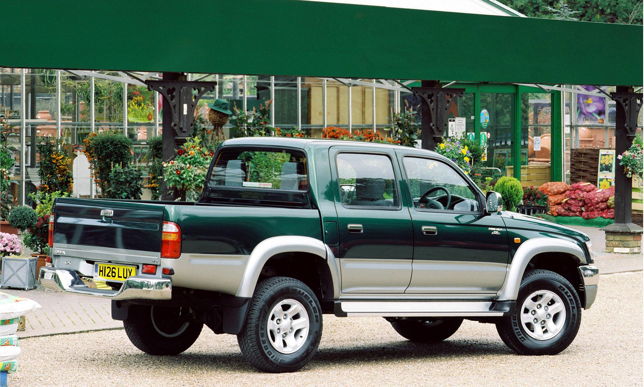 Kekurangan Toyota Hilux 2004 Perbandingan Harga