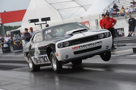 2010-dodge-challenger-drag-pak-01.jpg