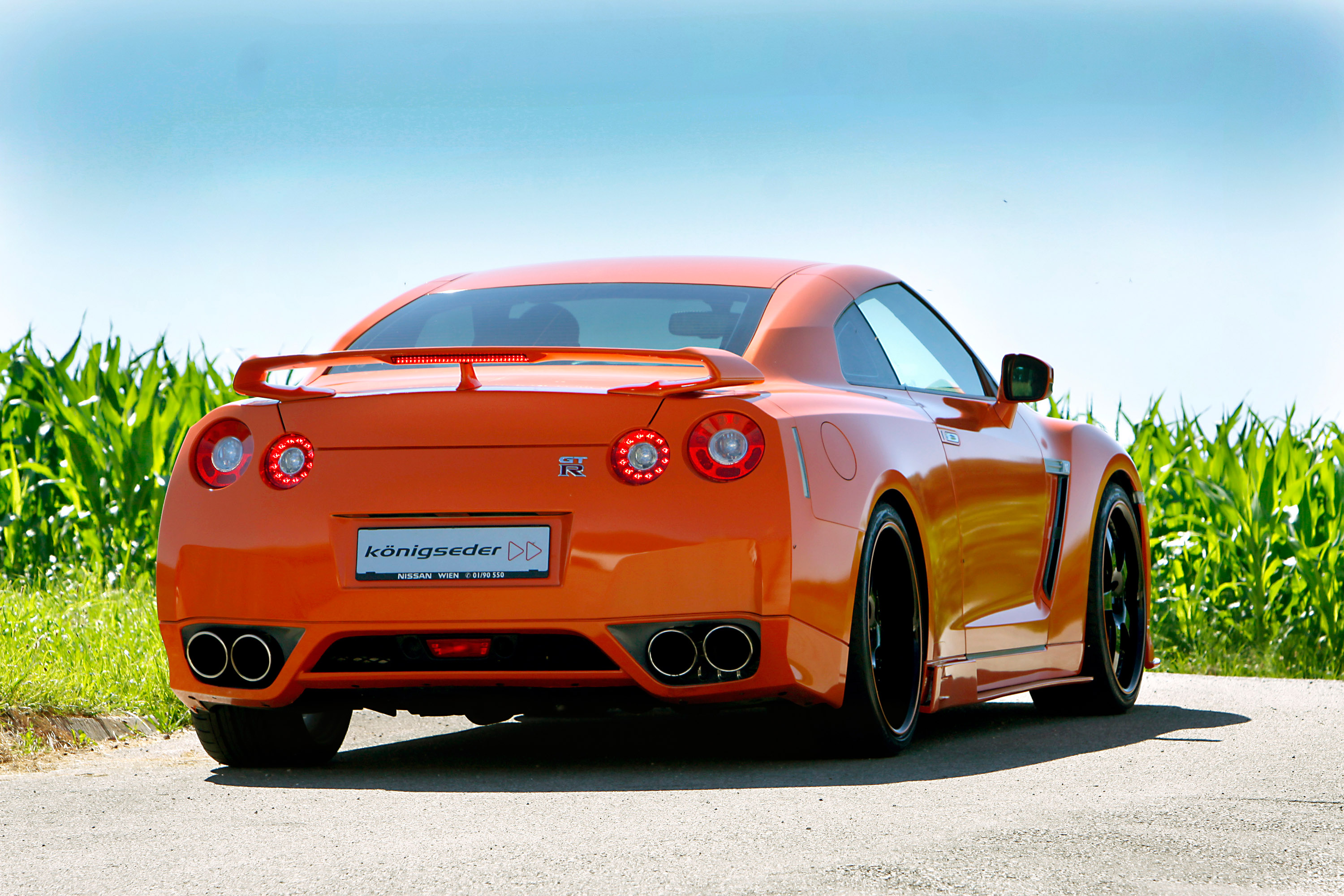 automobile photos 2010 nissan gtr r35 konigseder. Black Bedroom Furniture Sets. Home Design Ideas