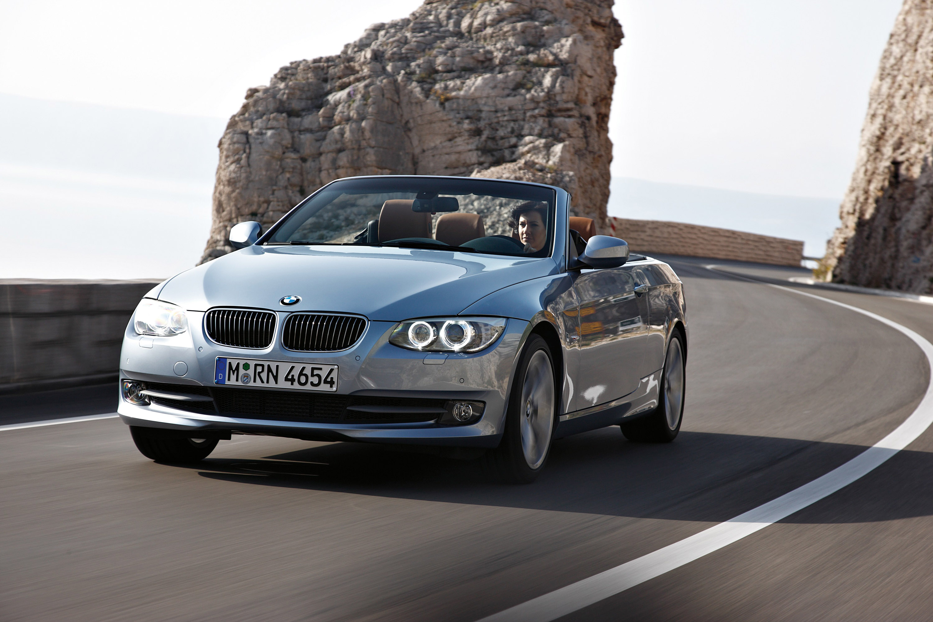Index of /img/2011-bmw-3-series-convertible