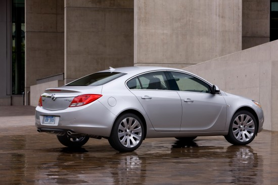 2011-buick-regal-02.jpg