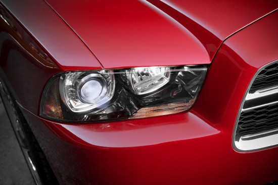 2011-dodge-charger-02.jpg