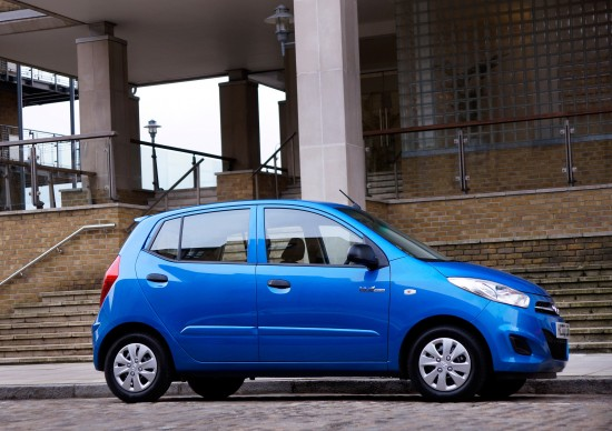 http://www.automobilesreview.com/img/2011-hyundai-i10/slides/2011-hyundai-i10-08.jpg