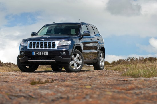 http://www.automobilesreview.com/img/2011-jeep-grand-cherokee-uk/slides/2011-jeep-grand-cherokee-uk-03.jpg