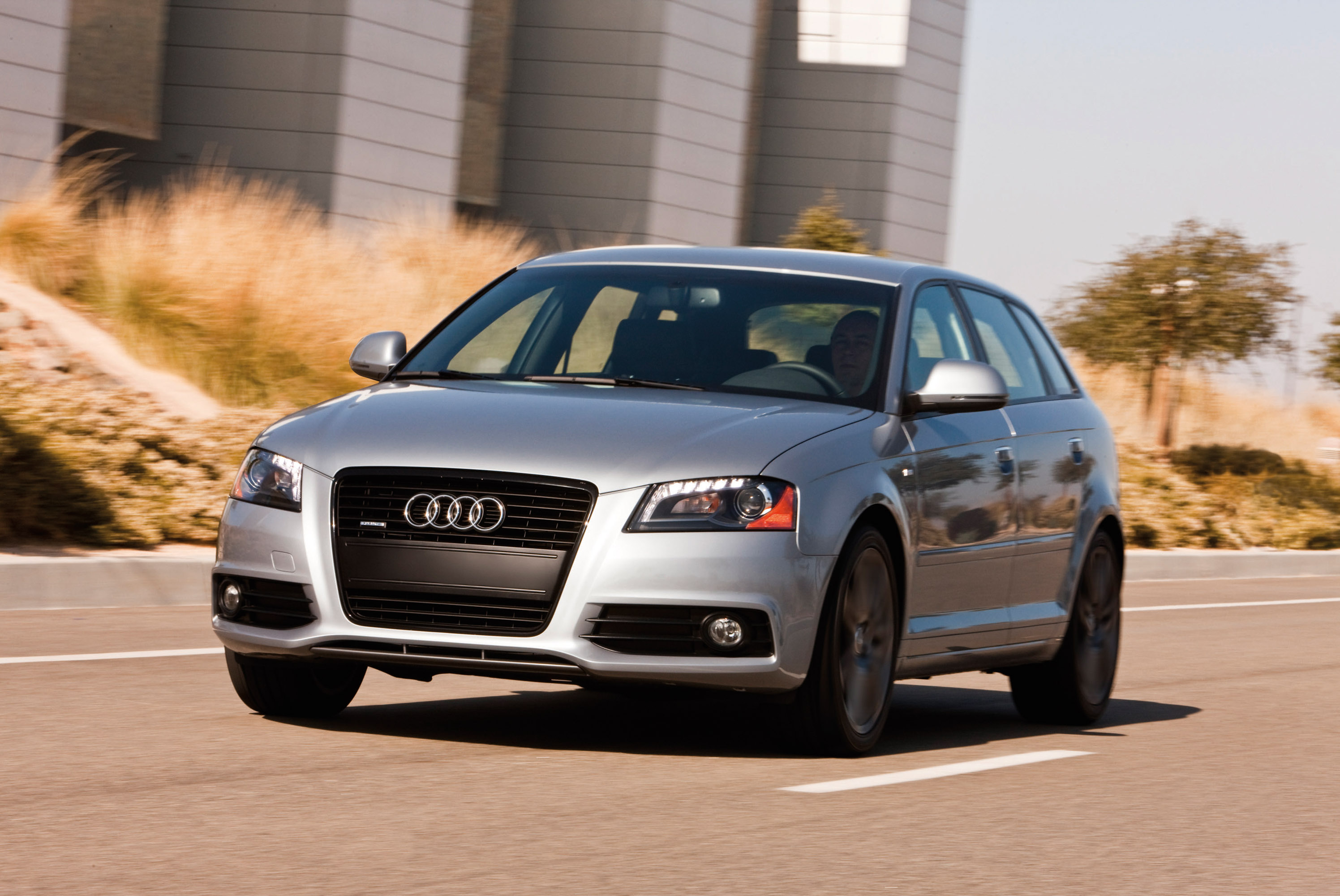 Index of /img/2012-audi-a3-2-0-tfsi-s-line