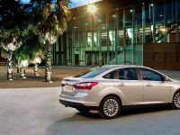 2012 Ford Focus Sedan, 2 of 7