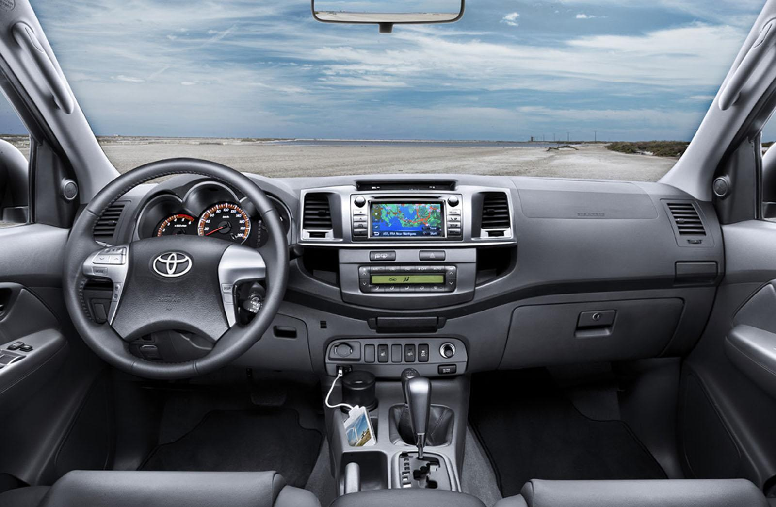 2012 Toyota Hilux Picture #4 of 4